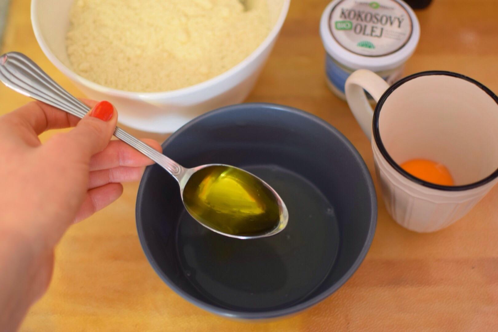 bílek a olivový olej