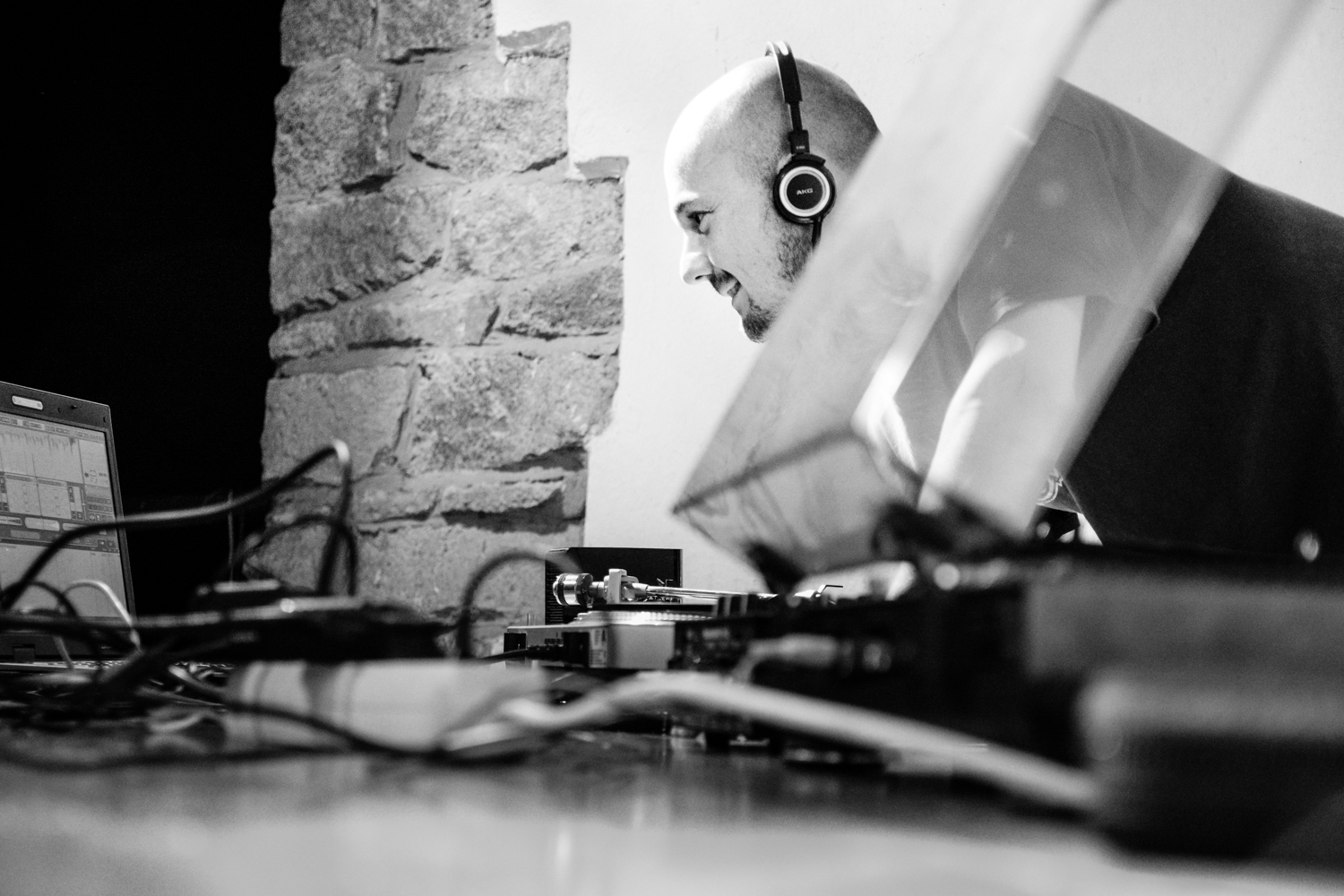 DJ at Stains In The Sun II Festival_by Philipp Lindenau_philippl