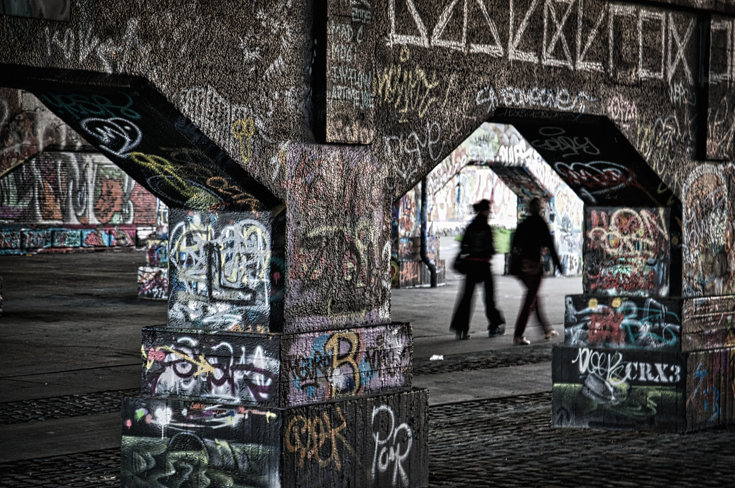 A walk through graffiti.jpg