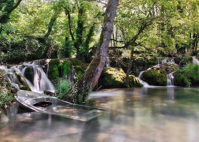 Boat under water in the #mreznica river. • • • • • #croatia #rivers #waterfall #myfujifilmlegacy #boat #nature #natuurfotografie #landscape #landscapephotography #relax #wonderful #wanderlust #fujixt3 #fujifilmxseries #fujifilmbelgium #naturelovers #naturepic #nature_photo #natureza