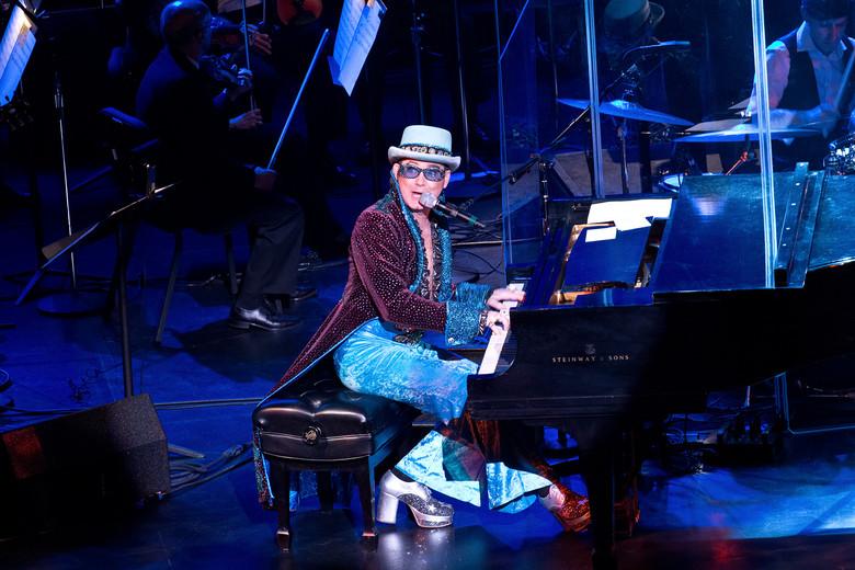 costume1 piano6_4x6_0.jpg