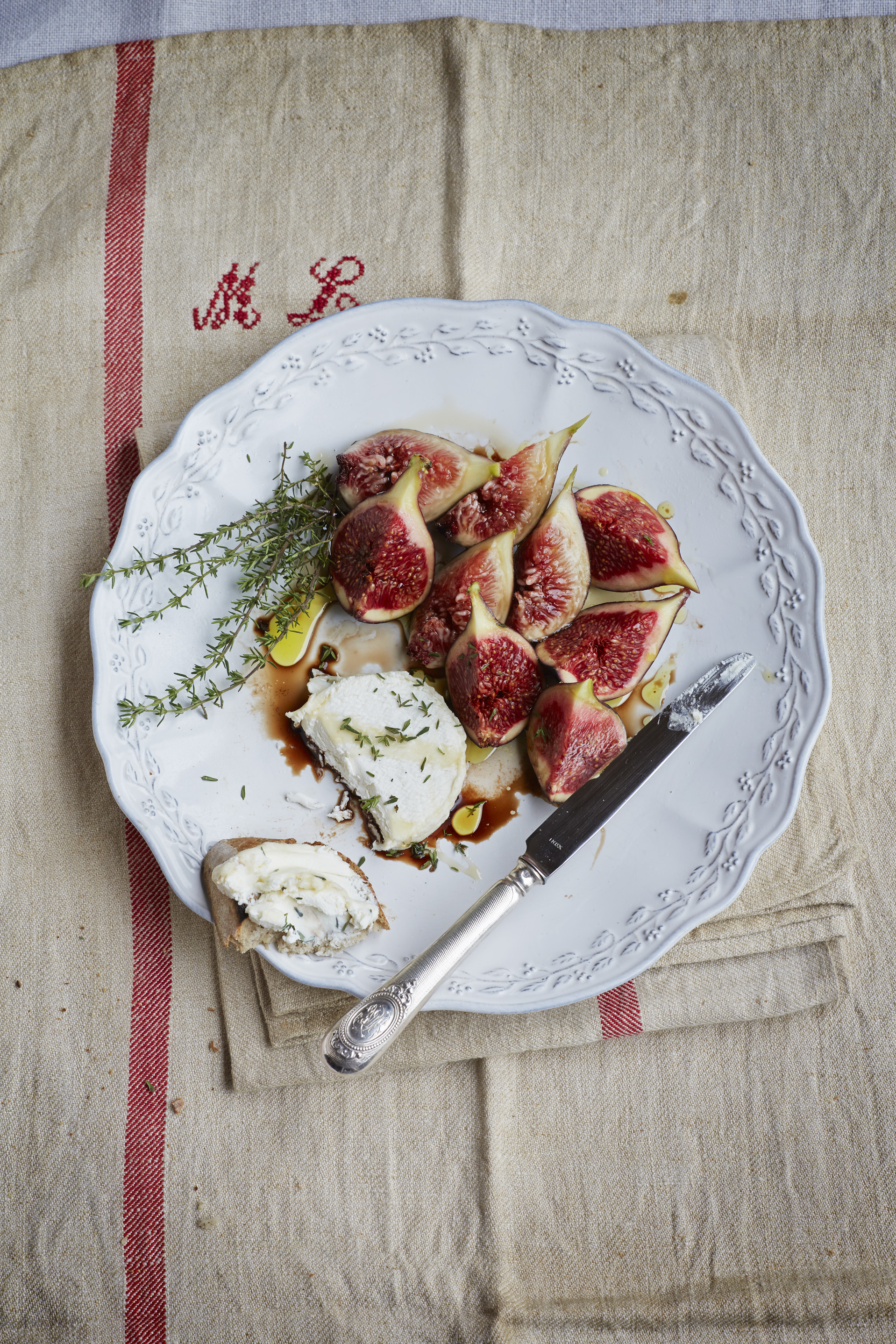 Fig and goat cheese salad / Photograph © Jan Baldwin