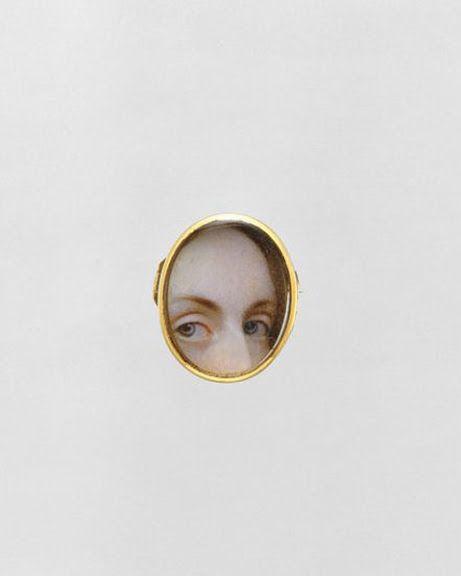 Pendent Lover's Eye