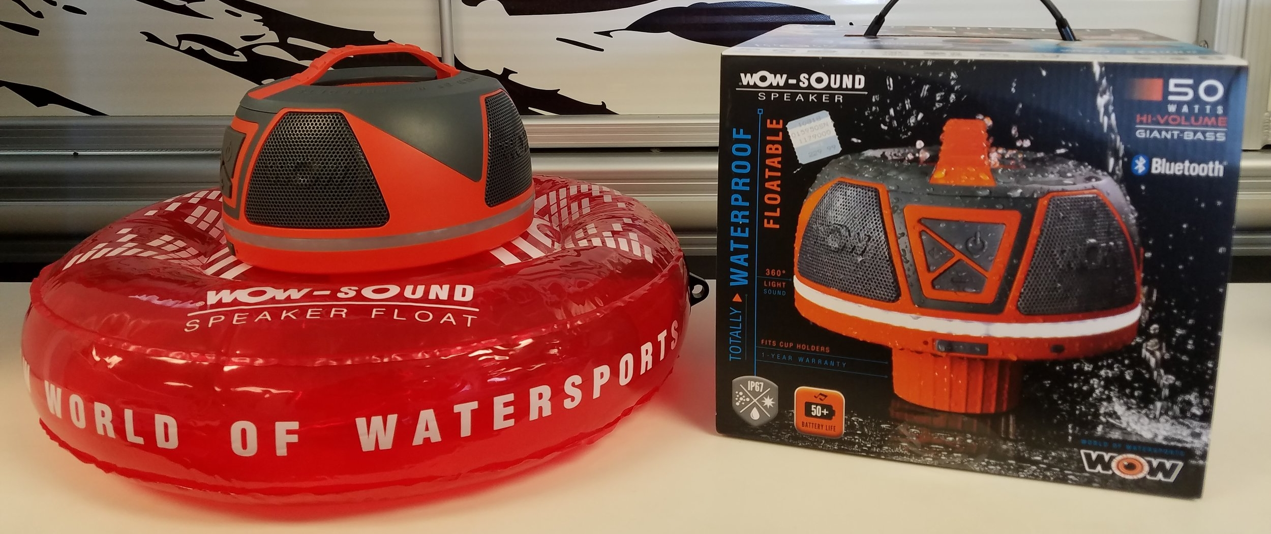 CHECK OUT THIS FLOTABLE AND TOTALLY WATERPROOF SOUND SPEAKER!