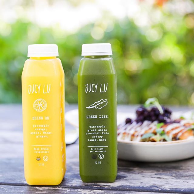 Is brunch time! Great #brunch today at @soul_tavern with our favorites, almond butter #pancakes and Jucy Lu #coldpressedjuices 🥞🍋🍏🍒🍍 #miamibeach #florida #organic #coldpressed #juices #localfl
