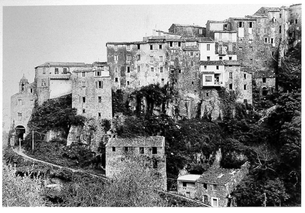 """""""Liguria di Ponente"""": Ceriana vista dall'esterno. Imperia, 1967."""