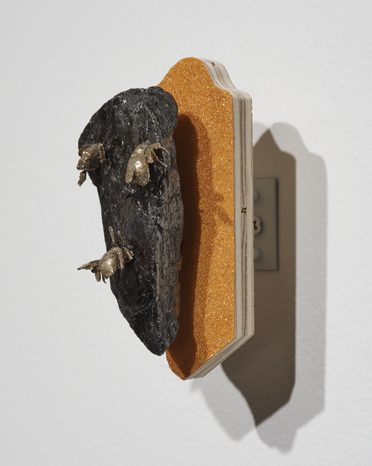 Bees-Anthracite3.jpg