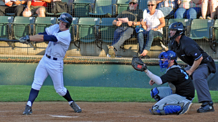 The AppleSox scored seven, but untimely counts and four errors were tough to overcome, Friday.