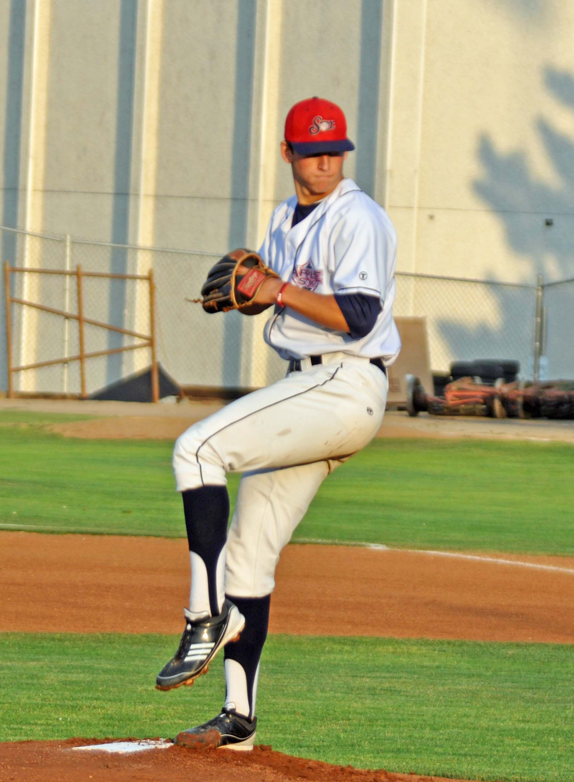 Former AppleSox hurler James Kaprielian (2012) led an eight-man AppleSox draft class in 2015. Kaprilian became the highest drafted AppleSox player, now ahead of Marco Gonzales, when he was selected with the 16th pick of this year's draft.
