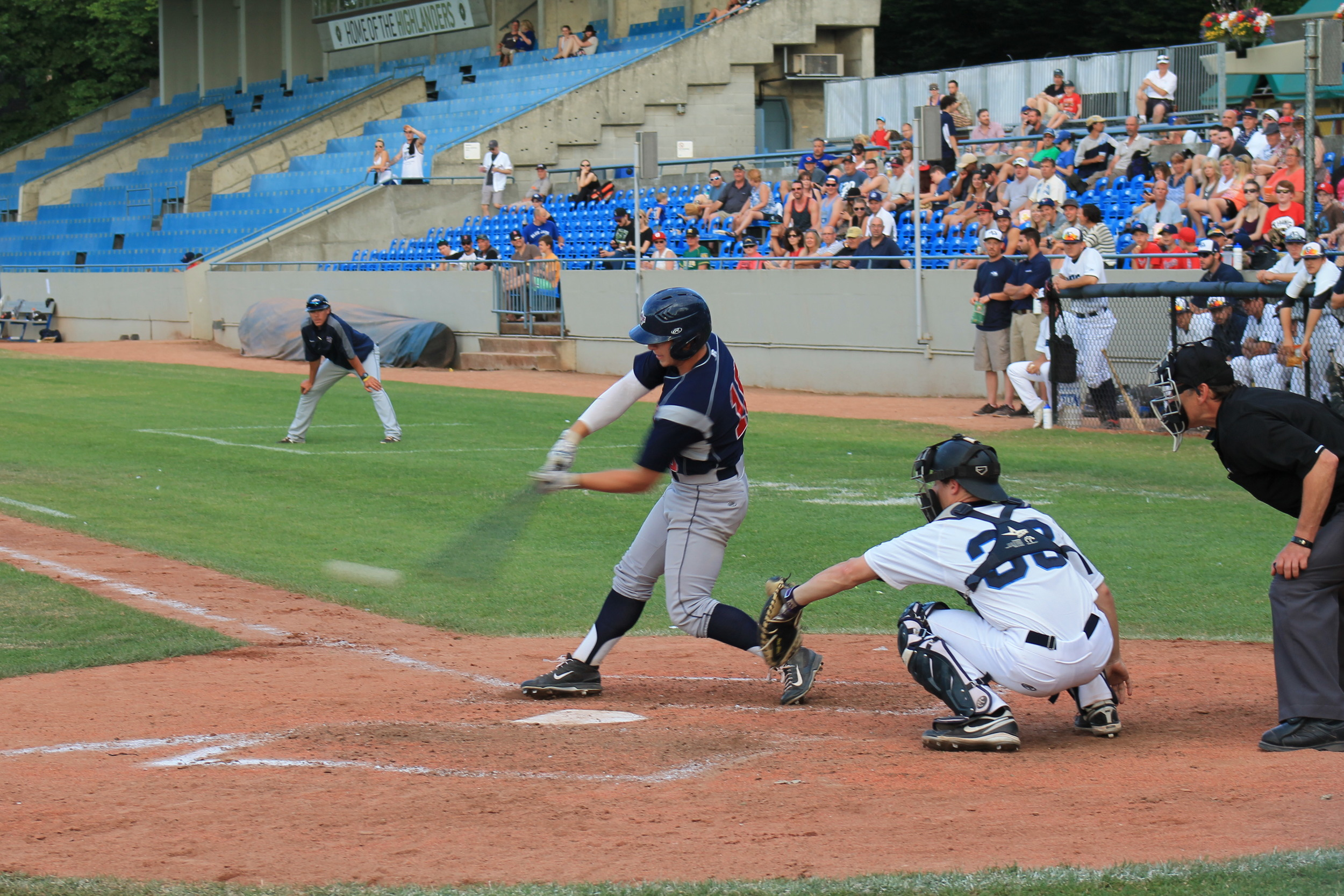Sheldon Liikala had a four-hit afternoon, and the AppleSox a new high - 17 hits - but the Sox late rally was squandered in the eleventh, on a bases loaded walk, to win it for the HarbourCats.