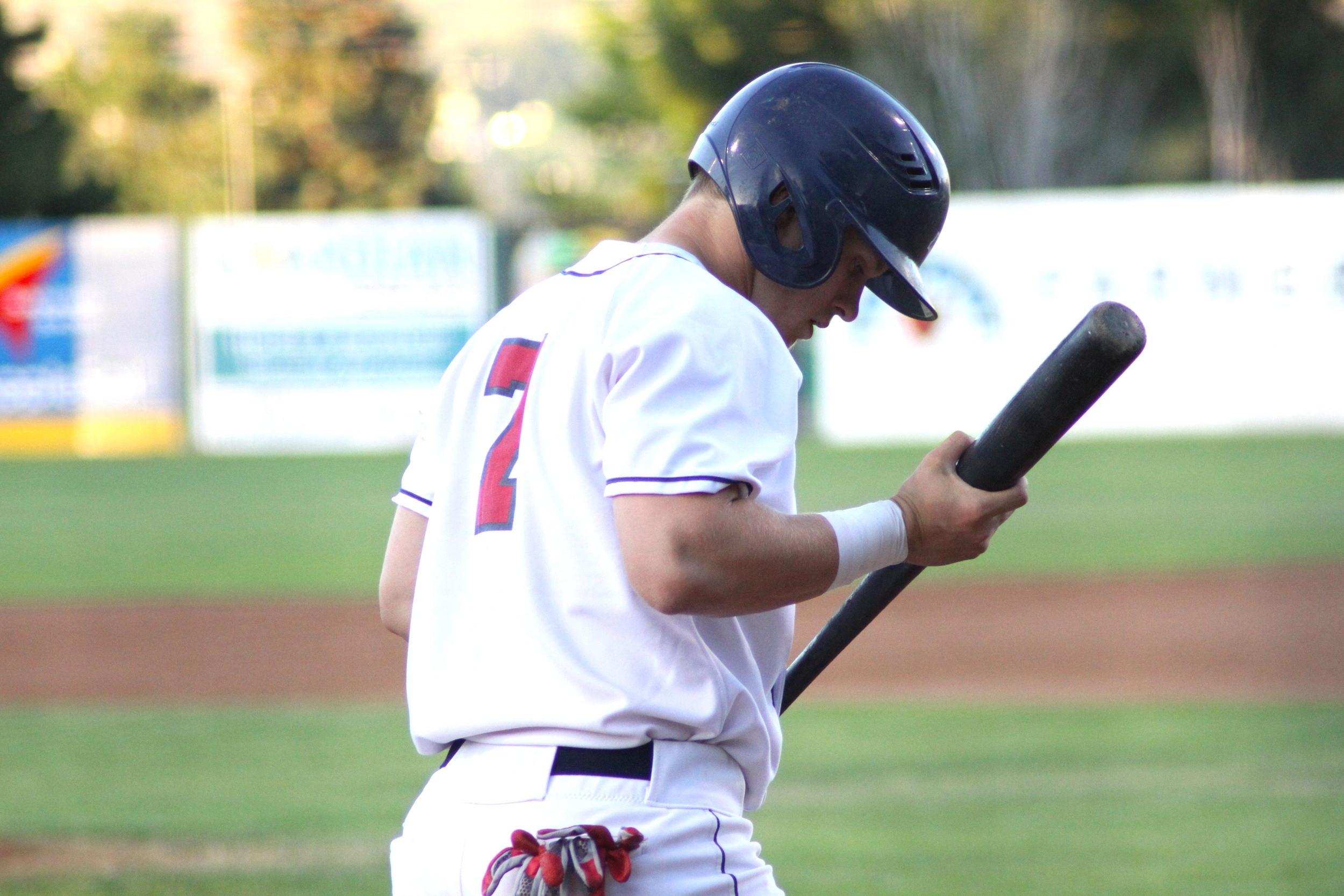 The Wenatchee AppleSox struggled at the plate Tuesday night, being kept off base for 6 2/3 innings and no-hit through 7 innings.