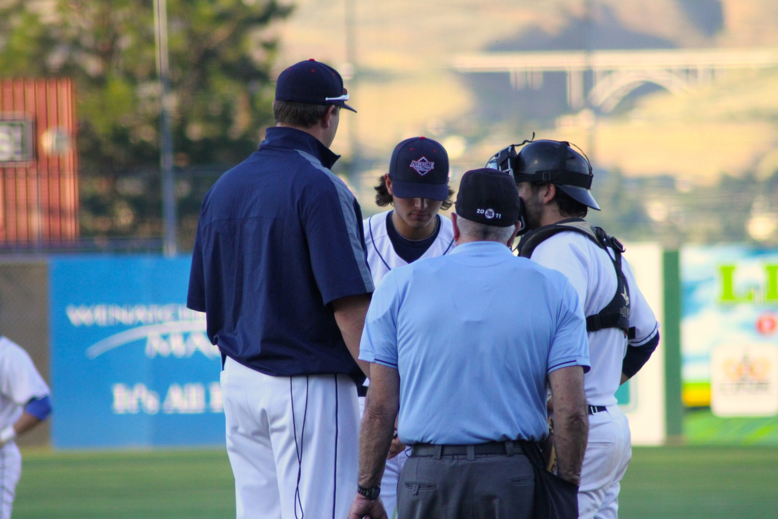 The AppleSox continue a three-game set with the Victoria HarbourCats, Wednesday night in British Columbia.
