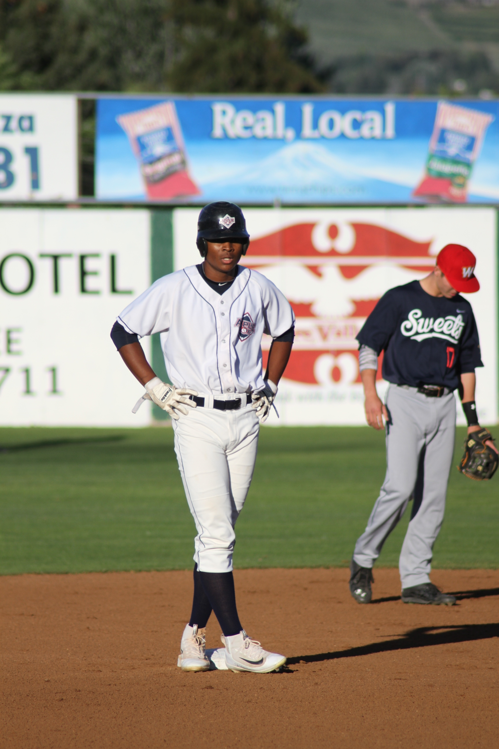 The AppleSox fell 8-4 Thursday night, but won their second-consecutive series during a nine-game homestand at Paul Thomas Sr. Stadium.