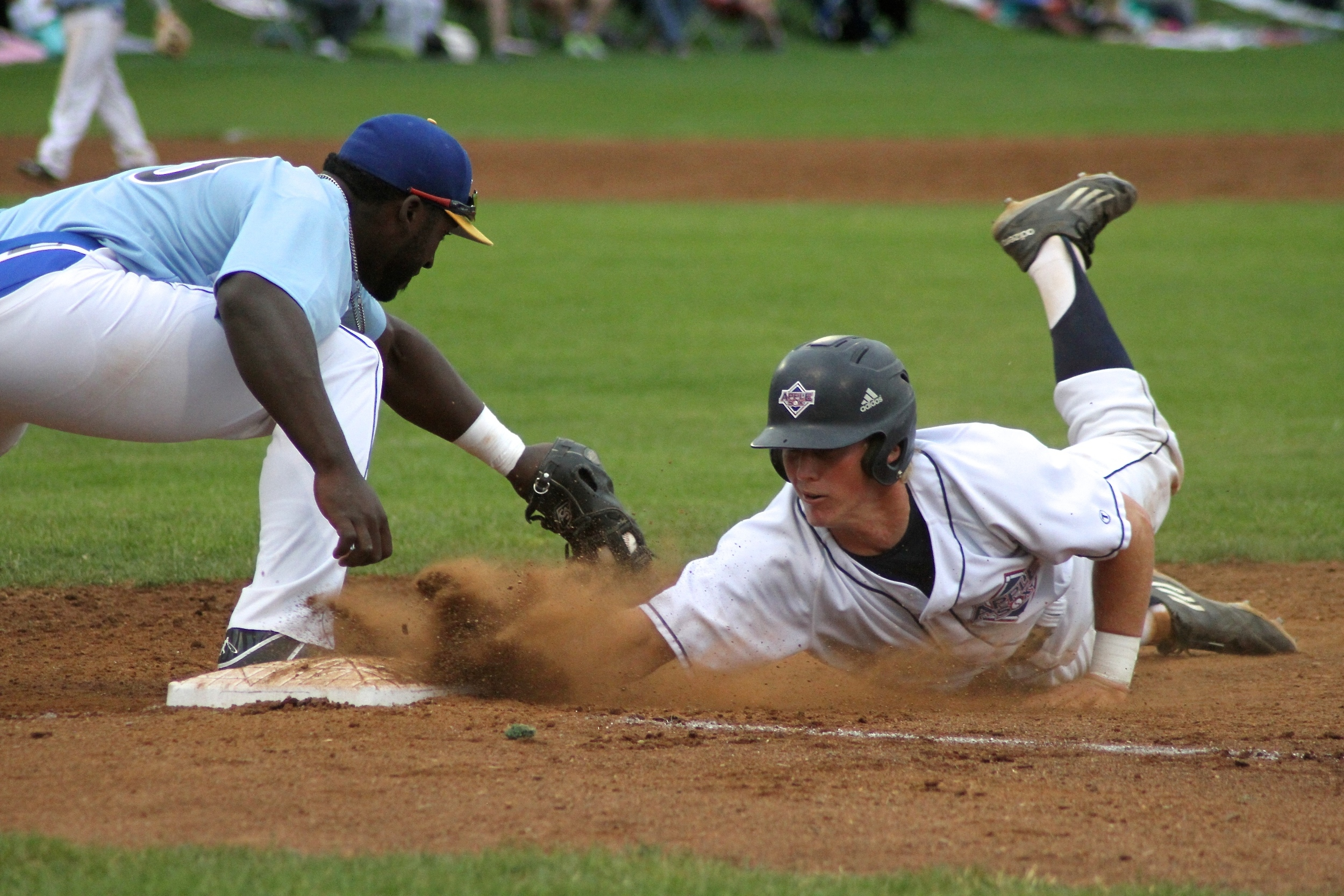 The AppleSox are going for a series win against the Bend Elks, Wednesday night at Vince Genna Stadium in Bend, Ore.