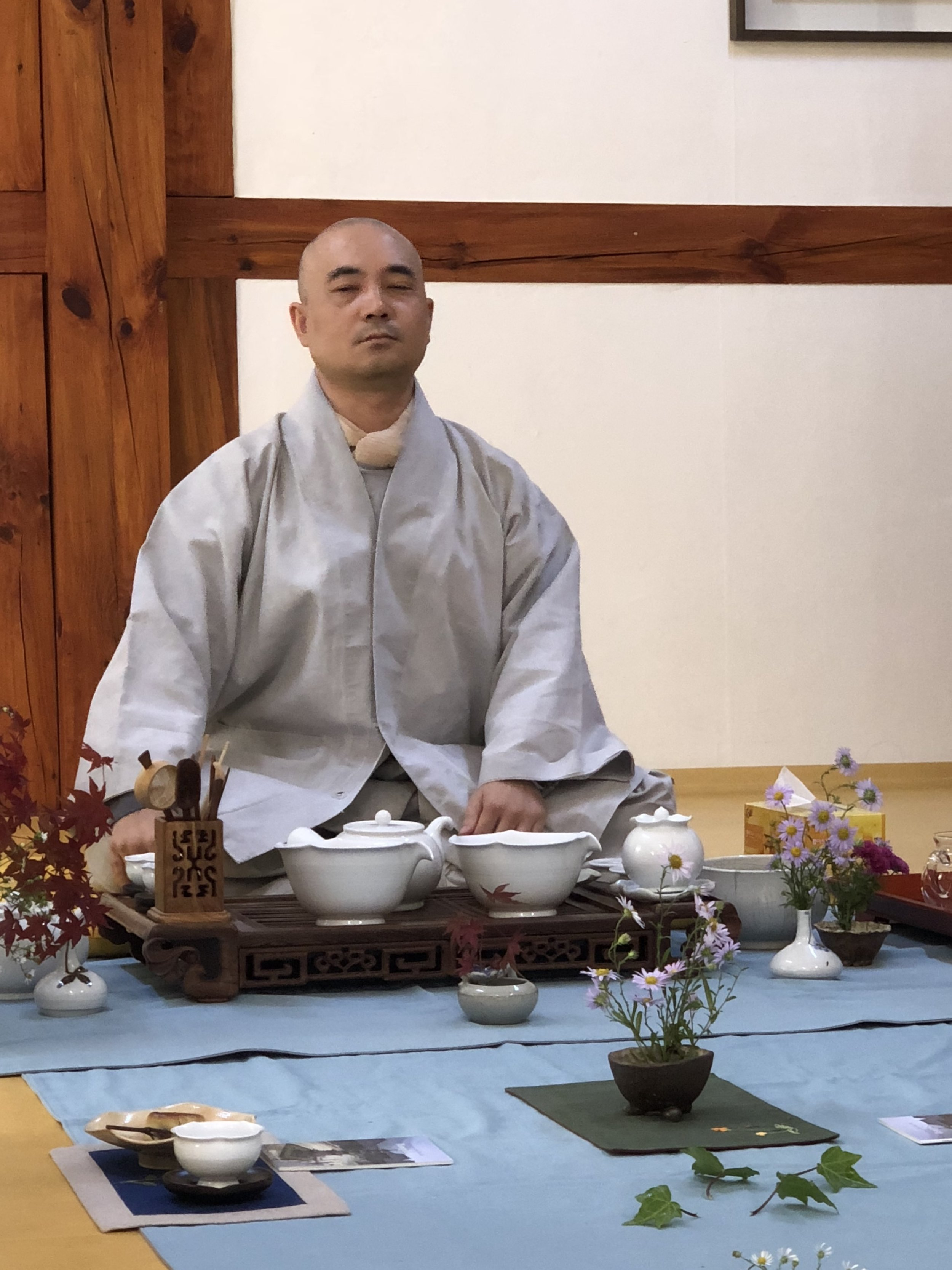 Starting our day sharing tea with one of the monks from Bulguksa Temple