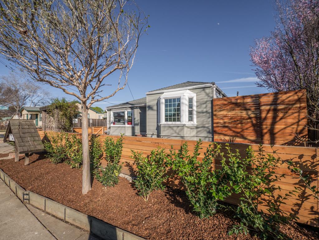 1700 Malcolm Lane, Santa Cruz *