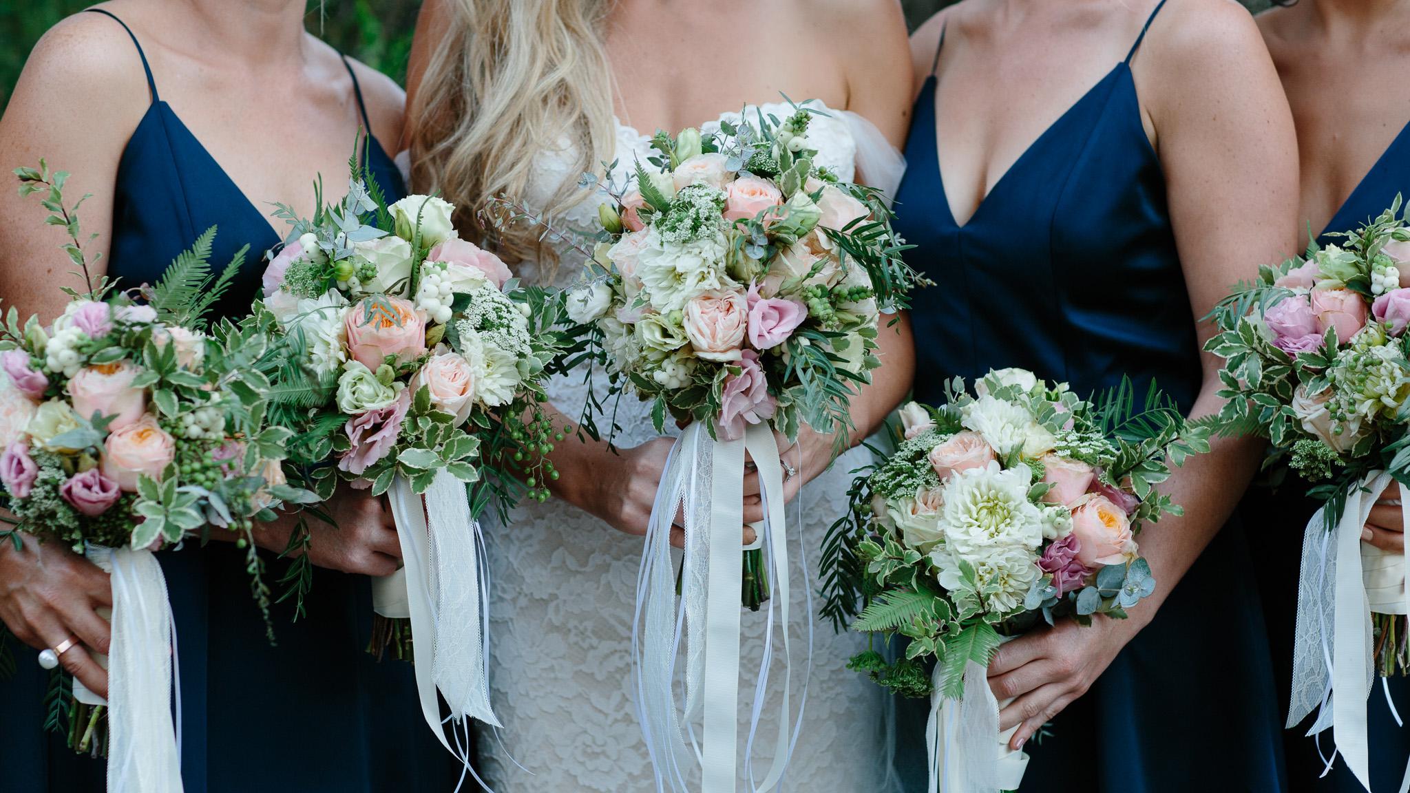 Busselton wedding-bridsmaids bouquets.jpg