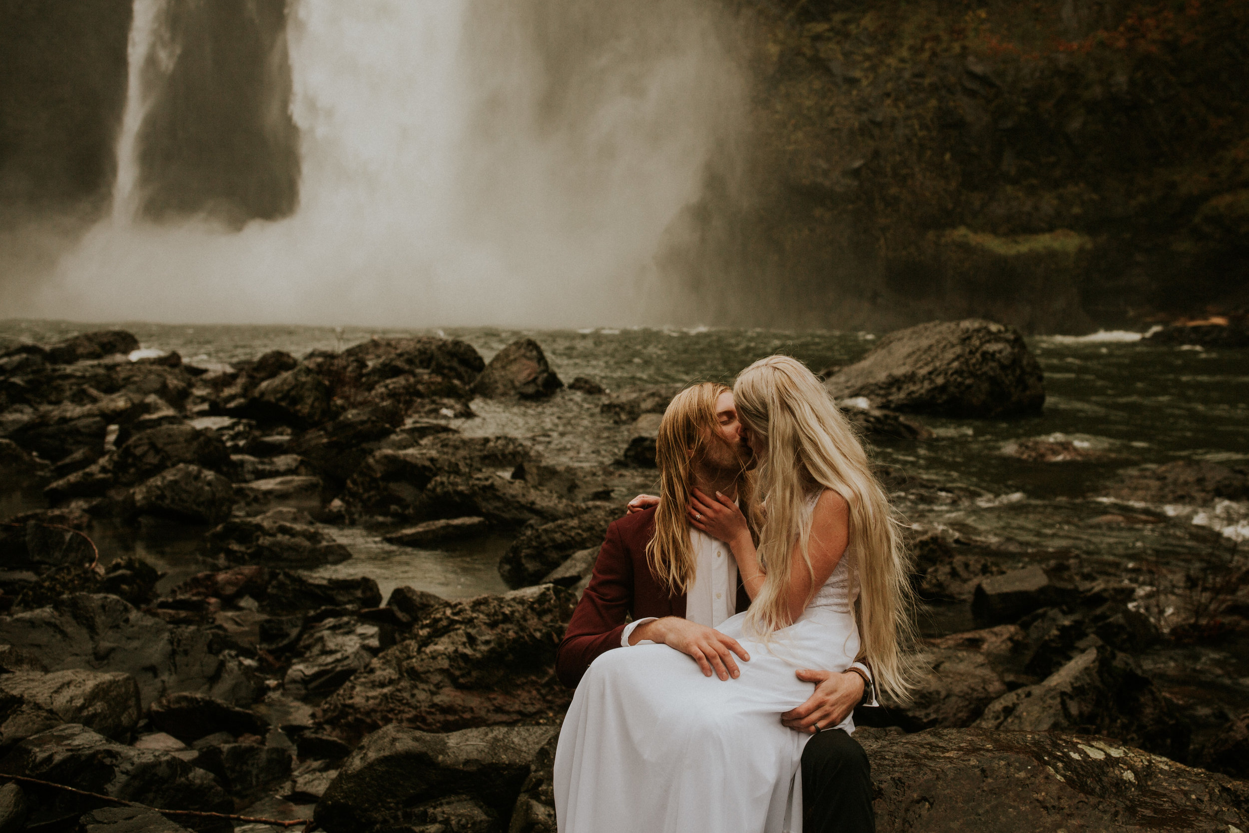 Snoqualmie-falls-elopement