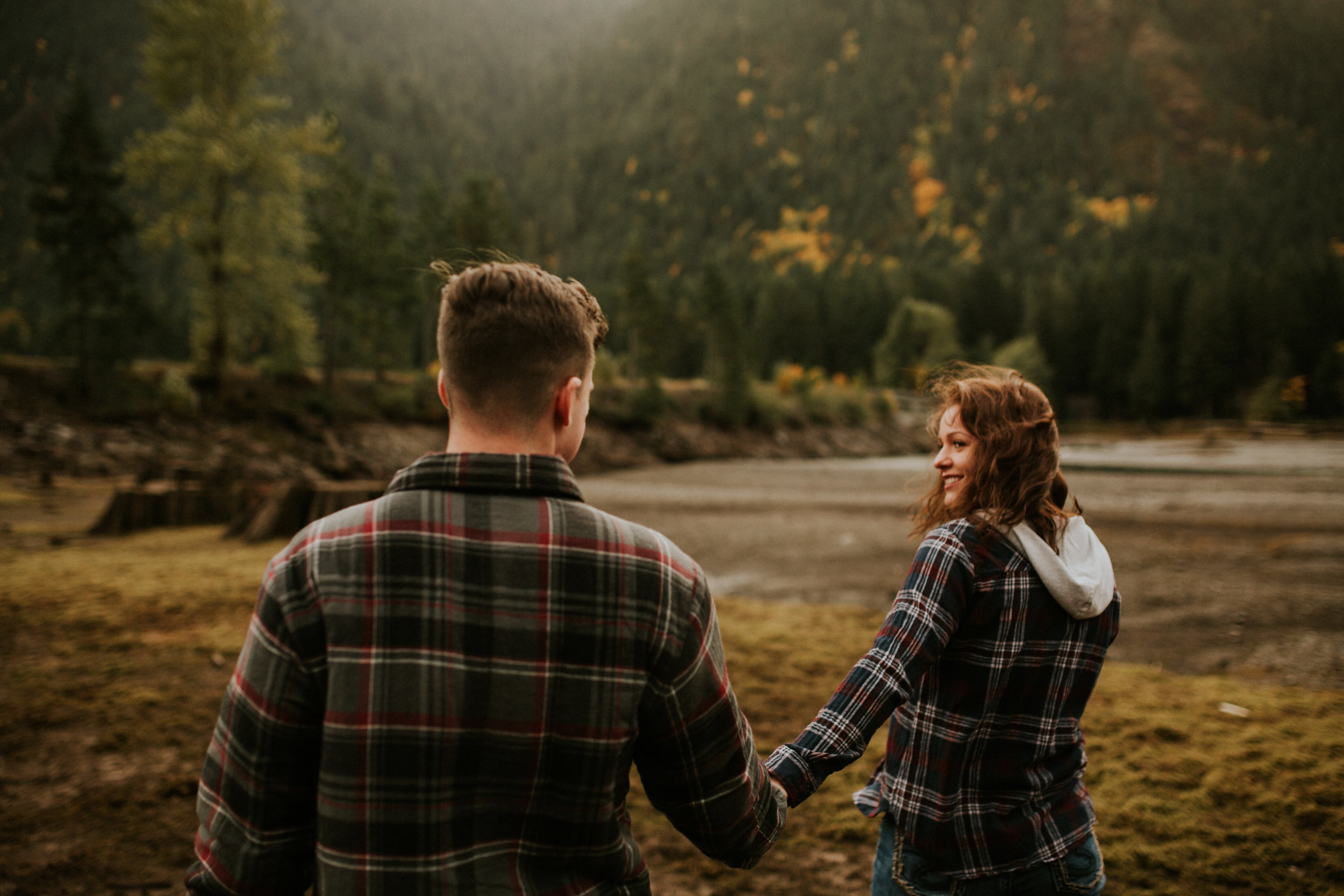 Lake-Cushman-Adventure-Engagement-photographer-breeanna-lasher-17.jpg