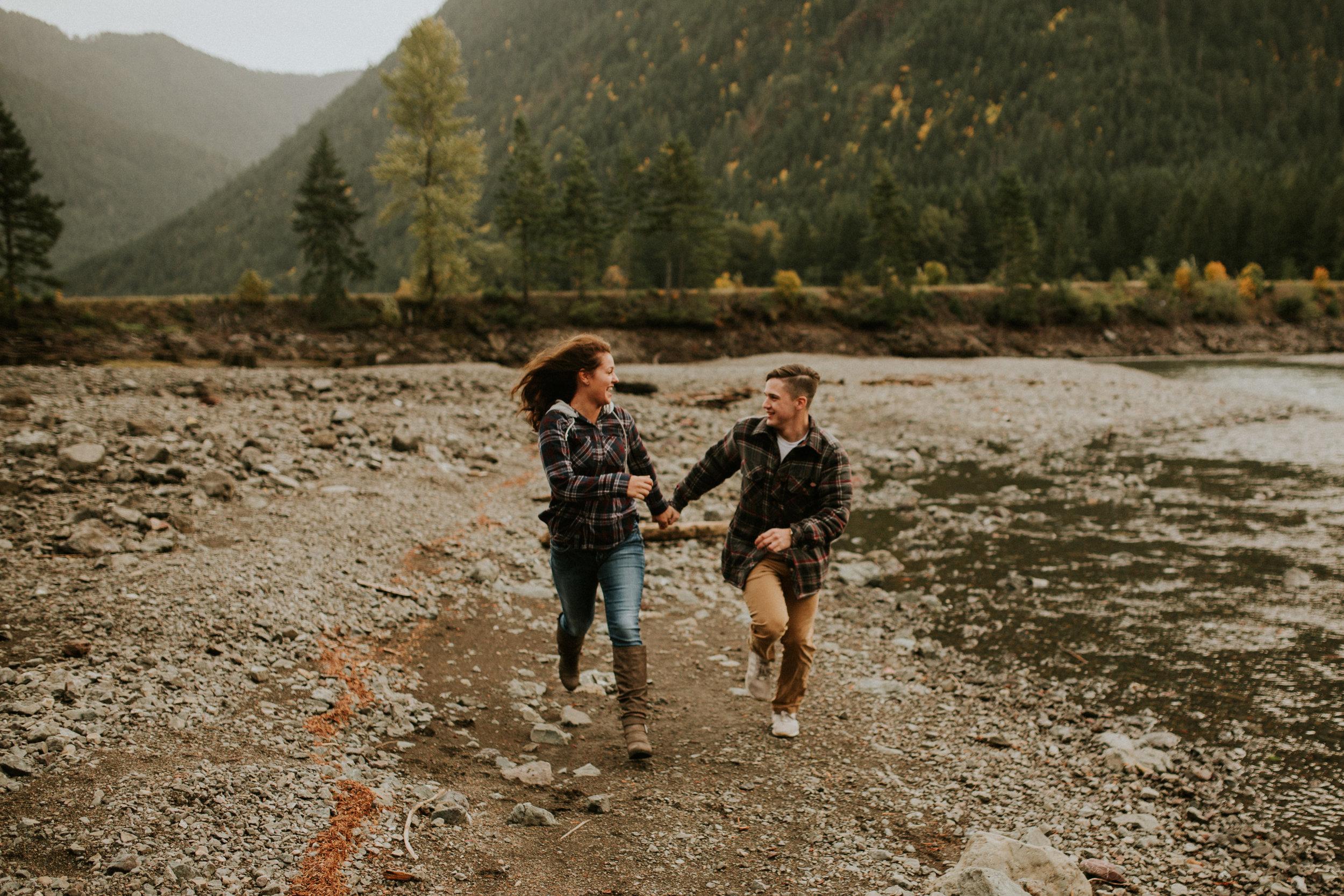Lake-Cushman-Adventure-Engagement-photographer-breeanna-lasher-14.jpg