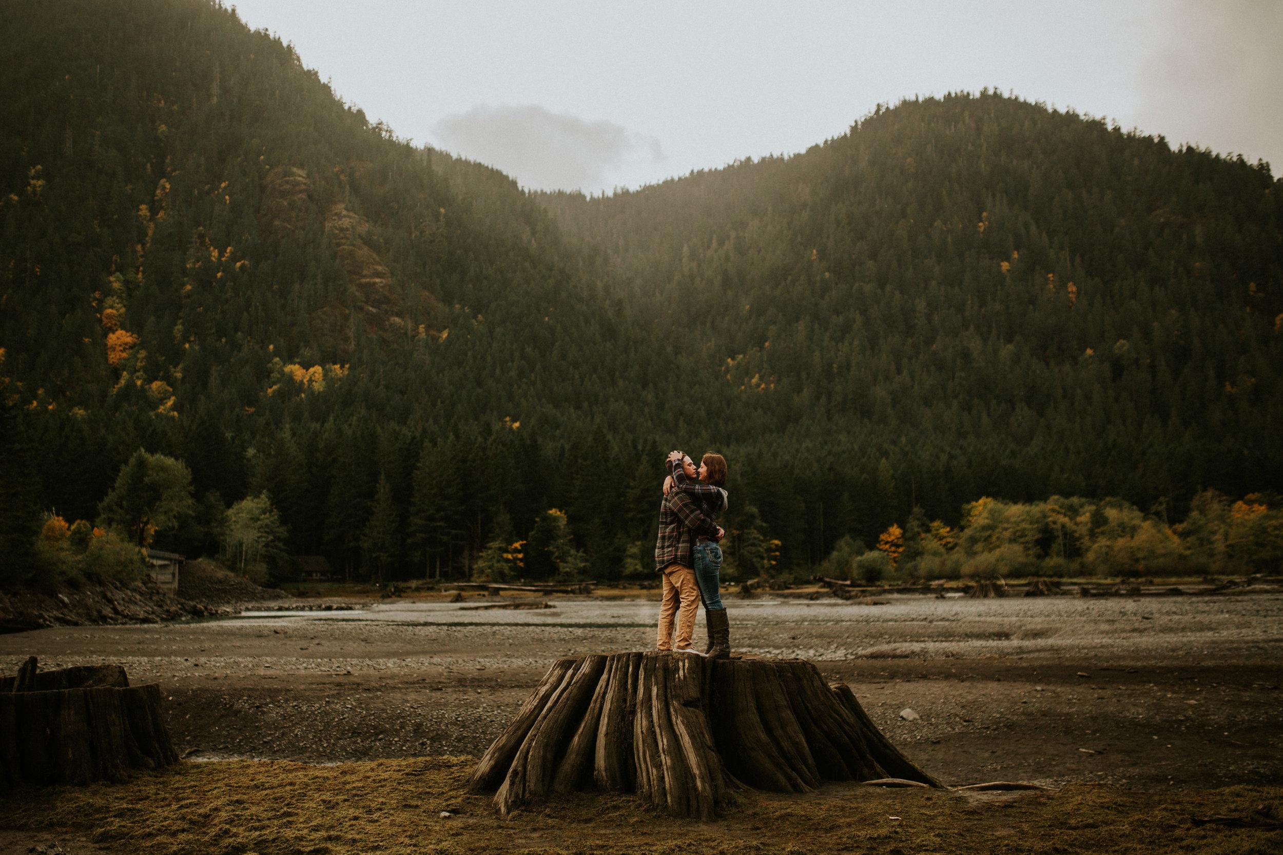 Lake-Cushman-Adventure-Engagement-photographer-breeanna-lasher-19.jpg