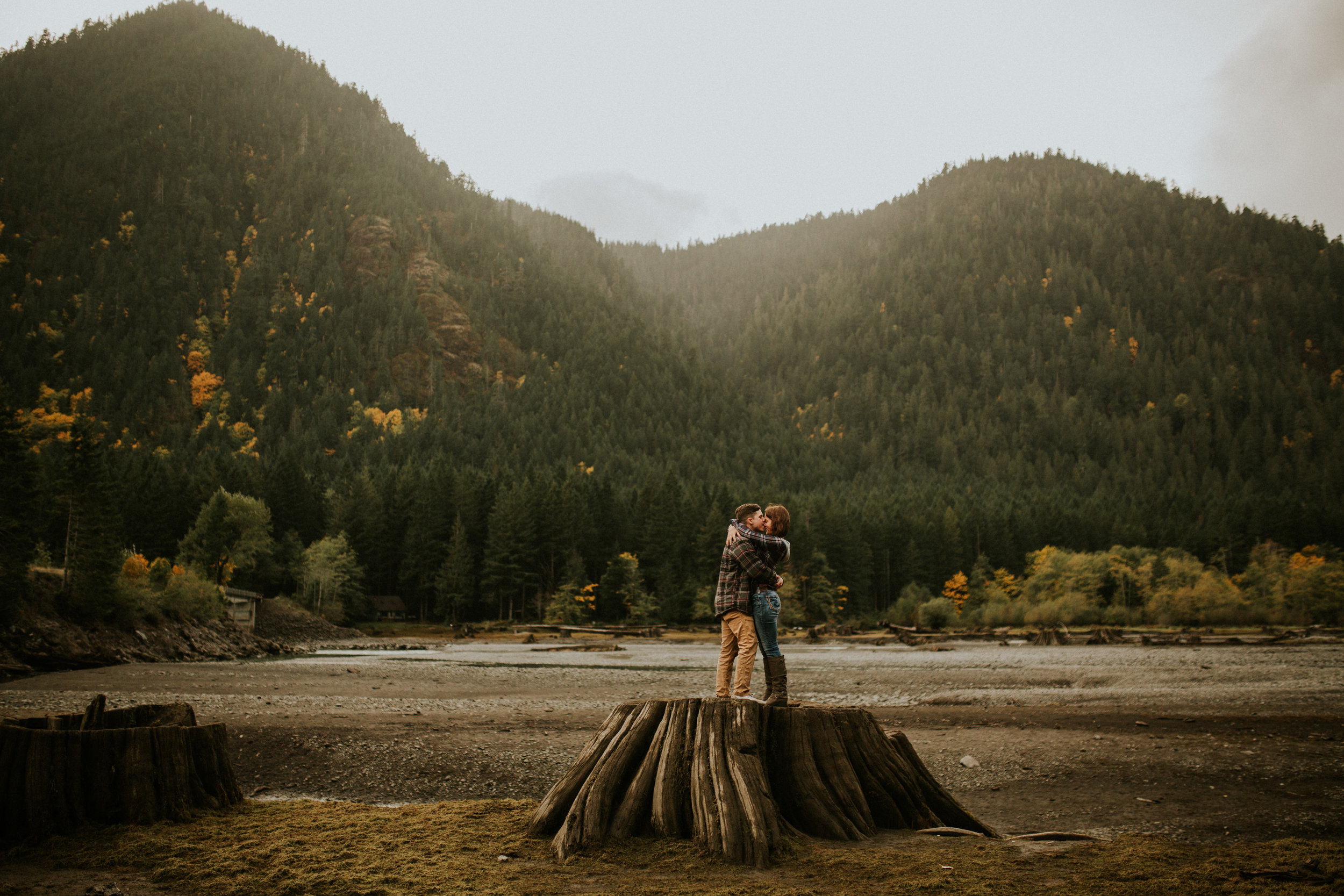 Lake-Cushman-Adventure-Engagement-photographer-breeanna-lasher-18.jpg