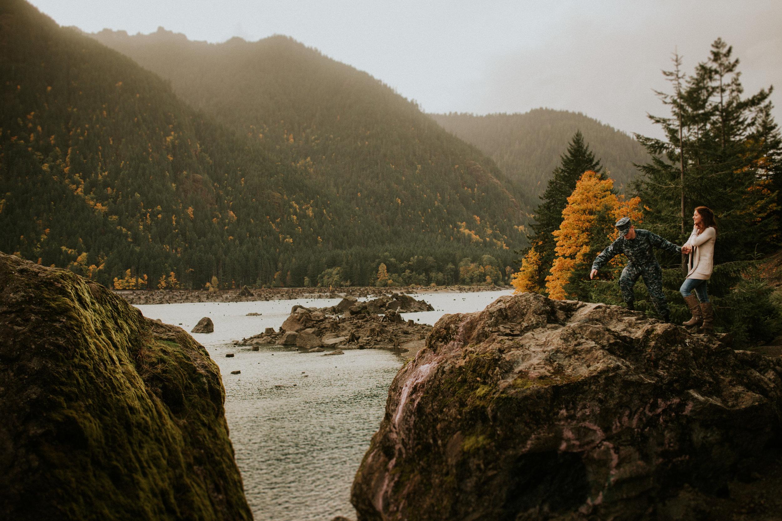 Lake-Cushman-Adventure-Engagement-photographer-breeanna-lasher-48.jpg