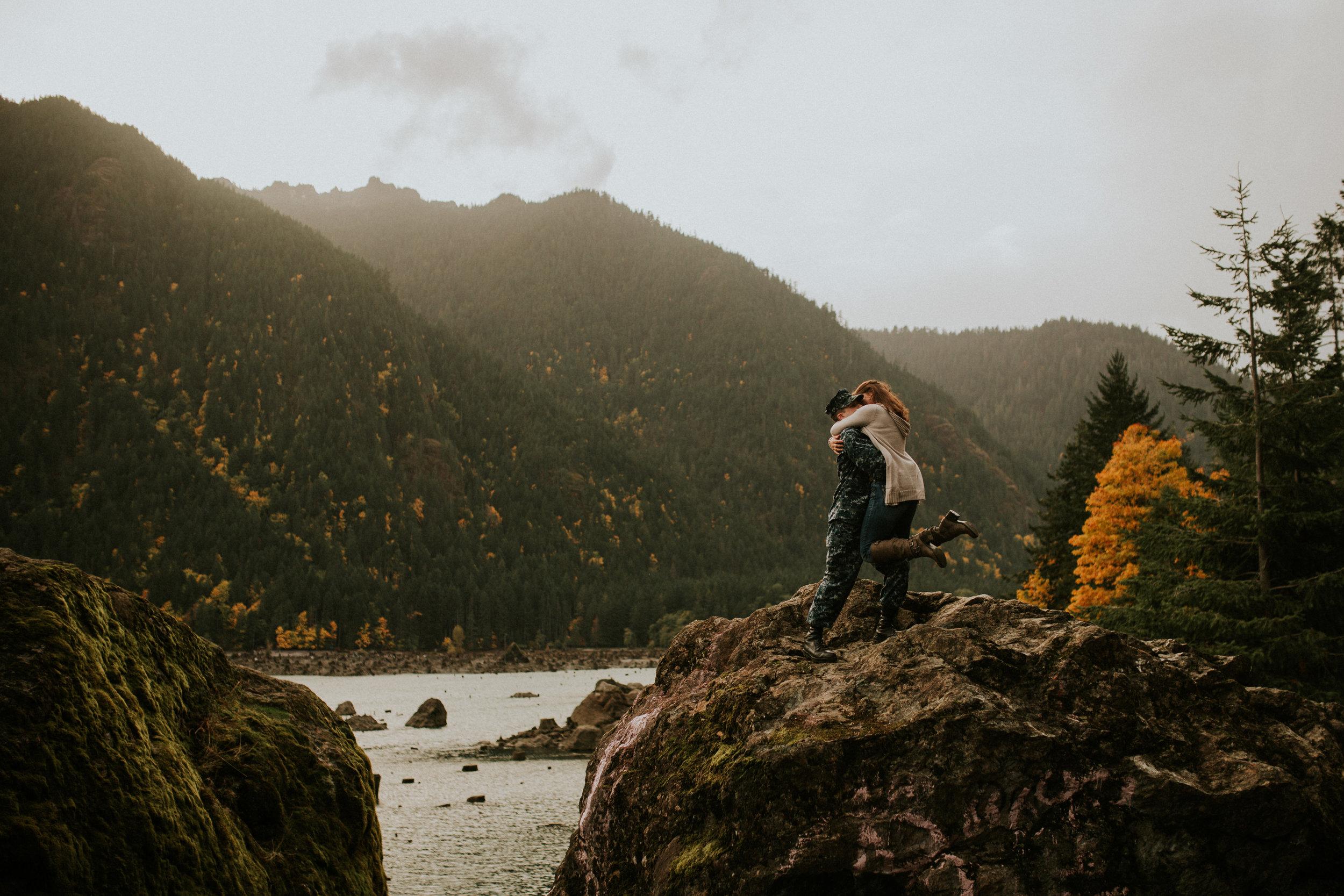 Lake-Cushman-Adventure-Engagement-photographer-breeanna-lasher-63.jpg