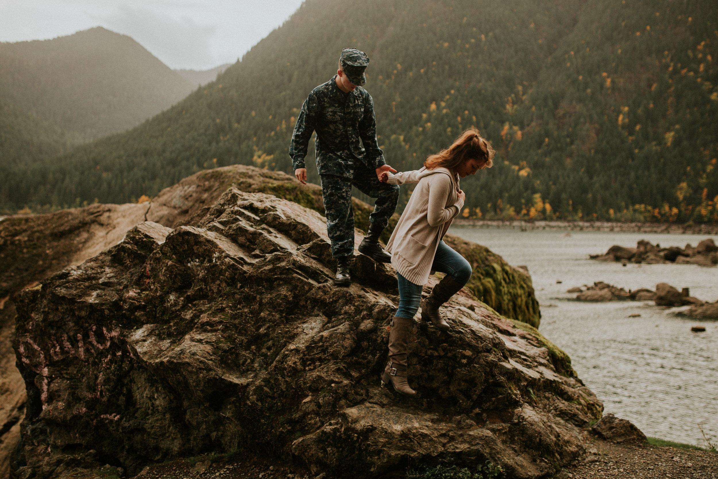 Lake-Cushman-Adventure-Engagement-photographer-breeanna-lasher-77.jpg