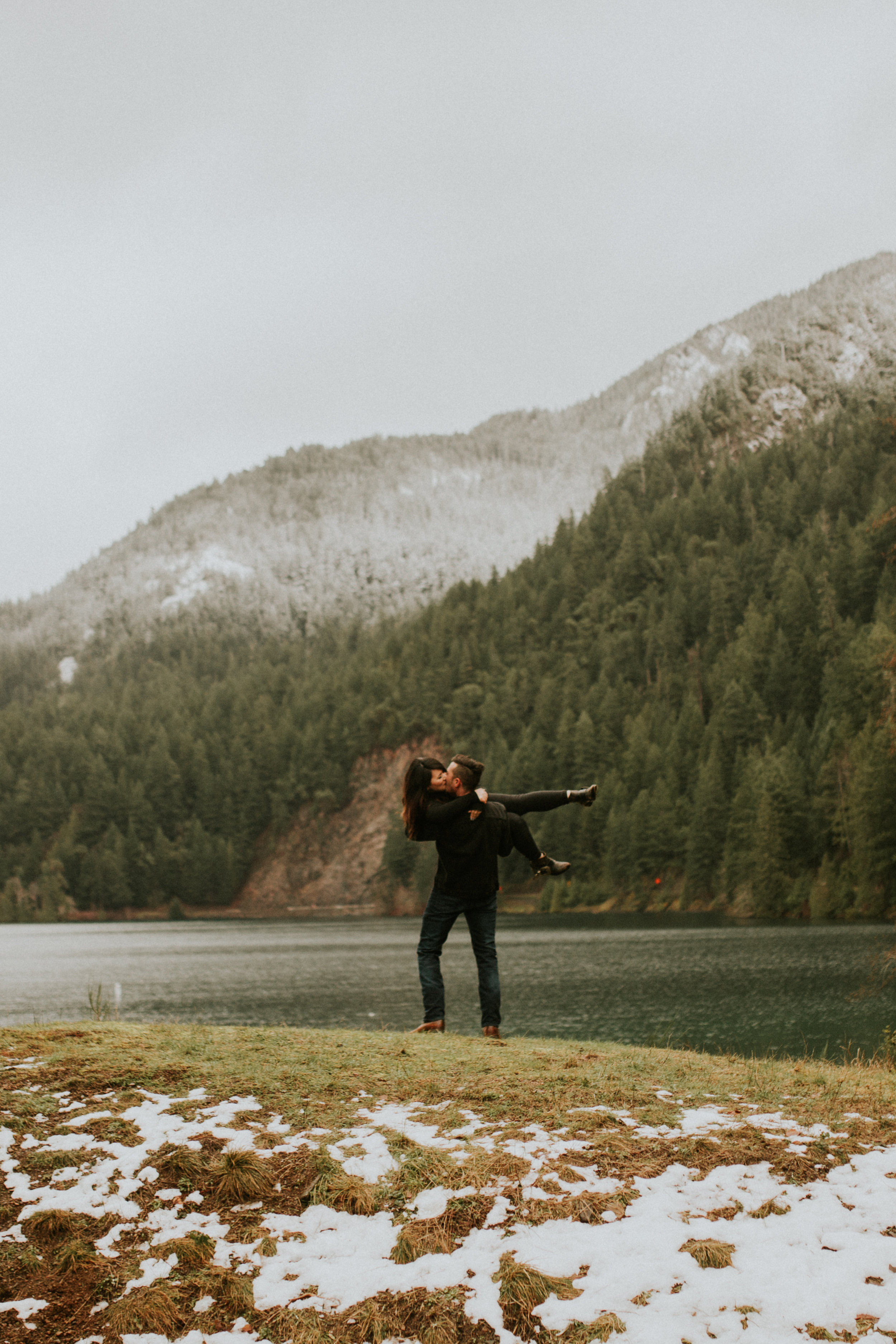 olympic peninsula adventure engagement session by breeanna lasher