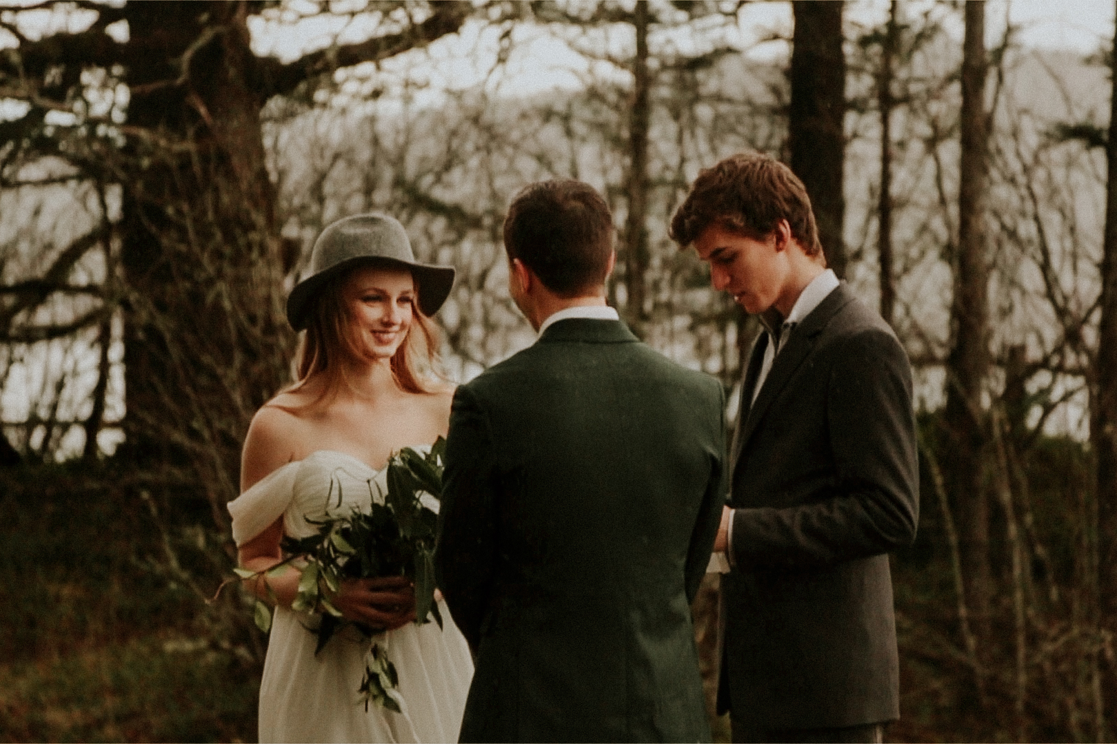 portland oregon elopement in the woods photography