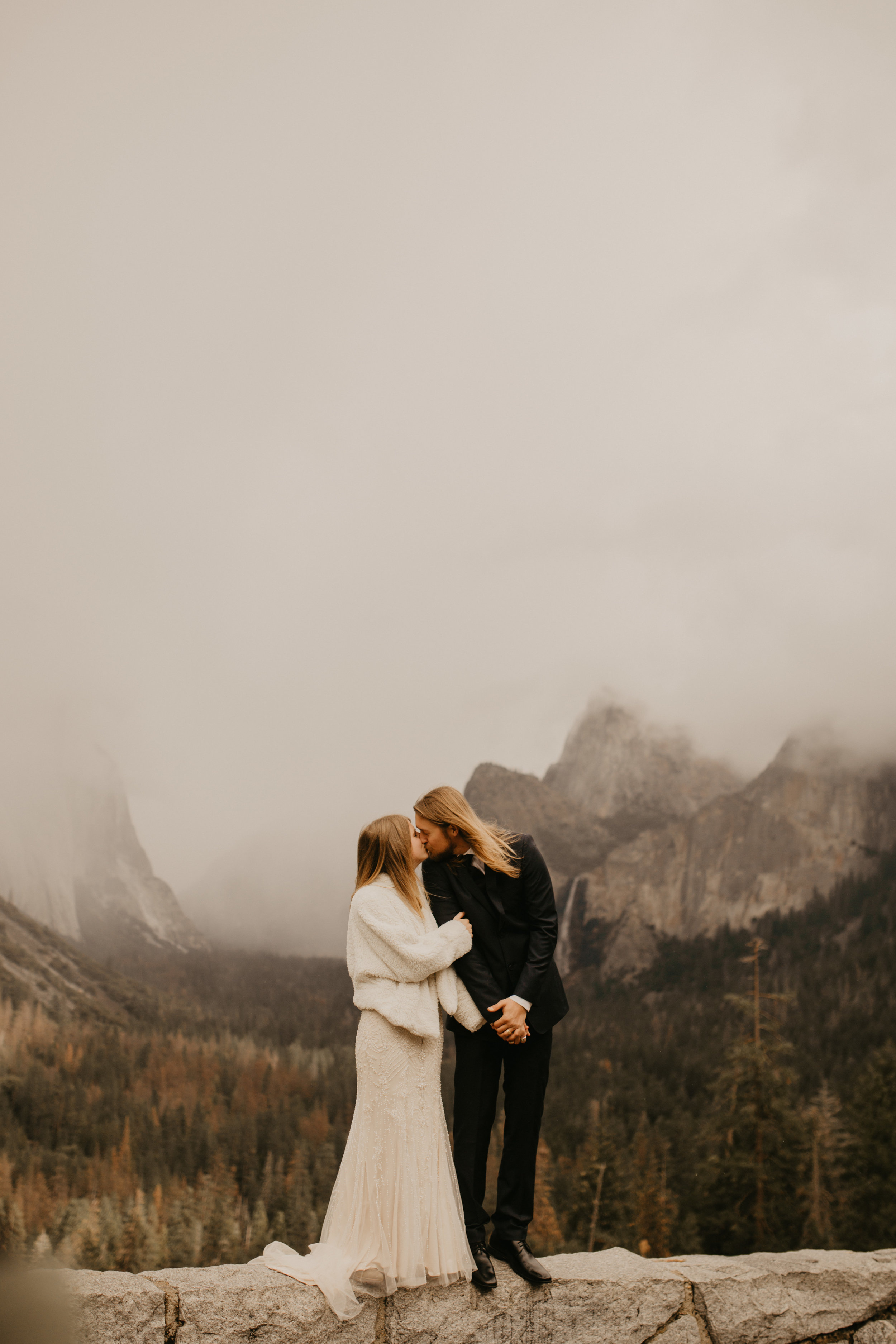 yosemite elopement by tunnel view by breeanna lasher