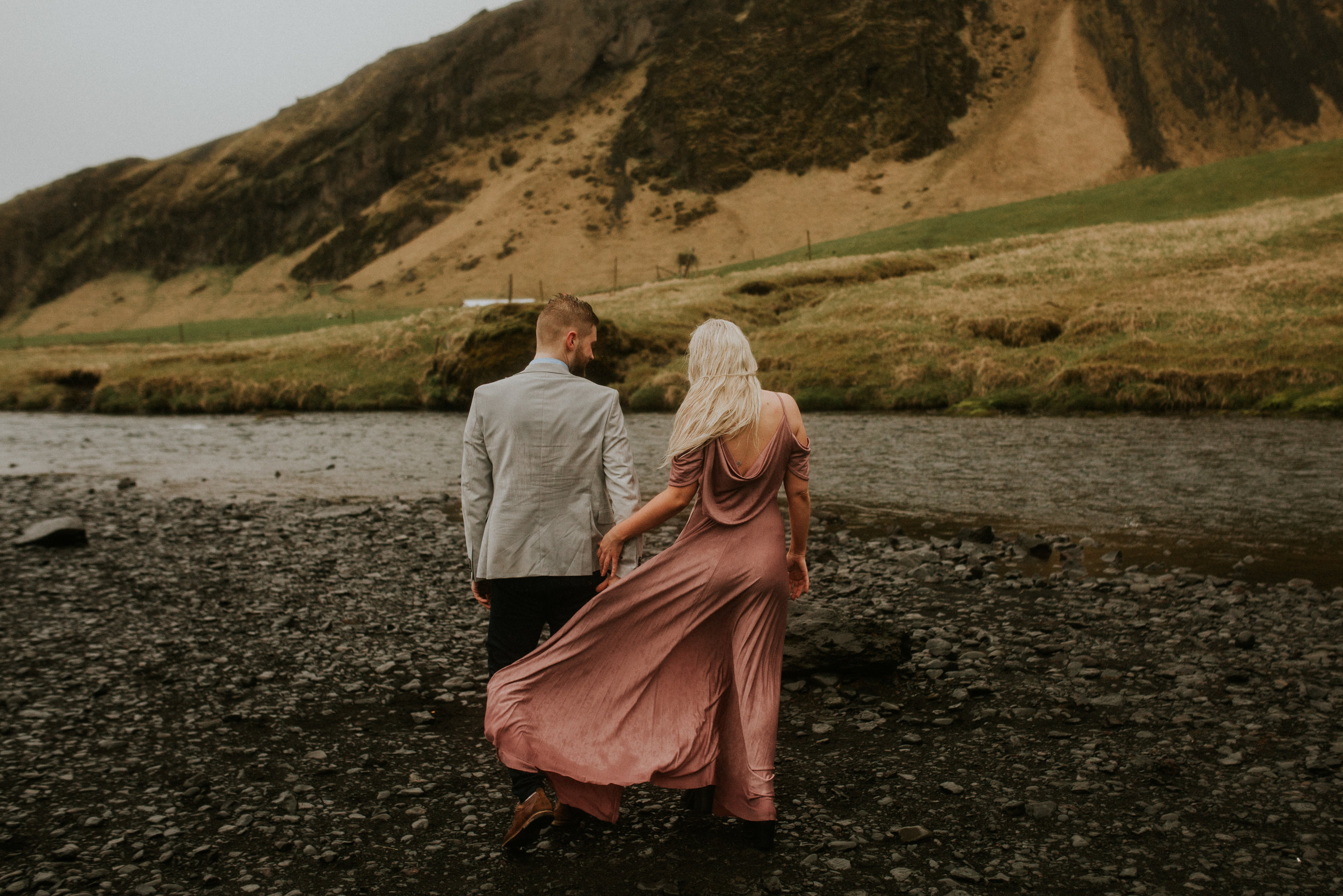 iceland lovers couple session adventure skogafoss by breeanna lasher
