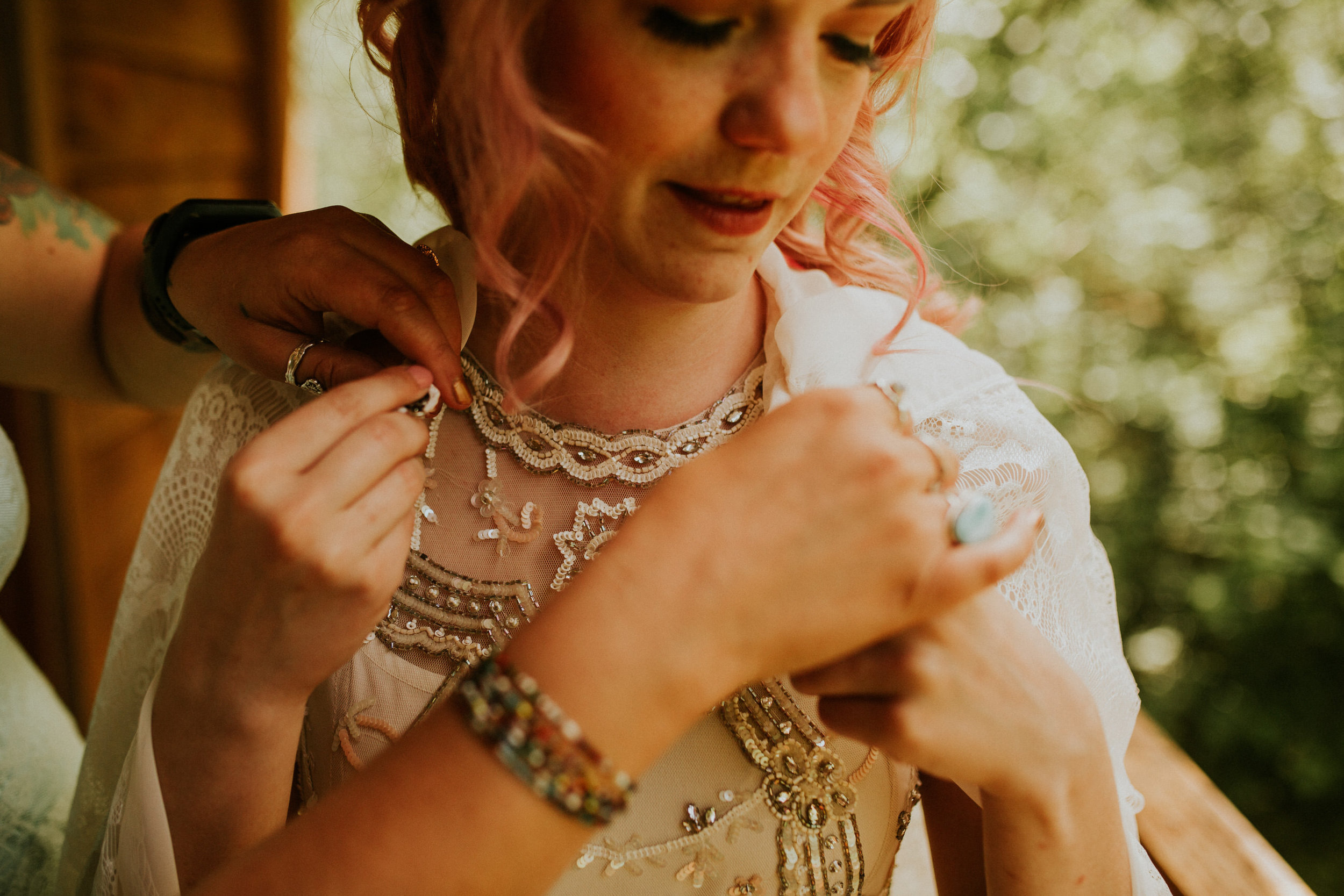 pnw elopement photographer intimate forest wedding