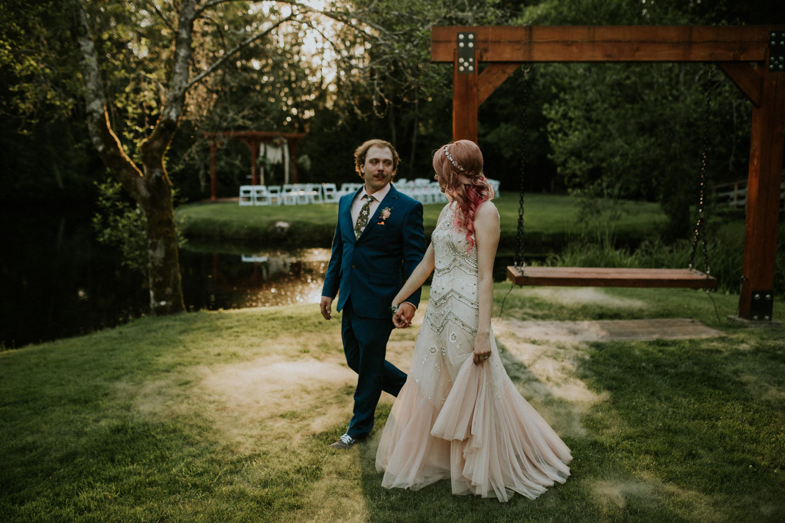 seattle elopement photographer intimate wedding photography