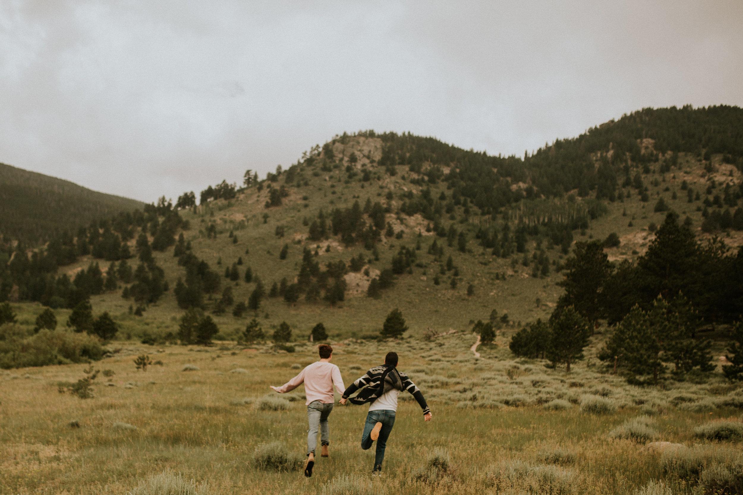 Estes-Park-engagement-session-trail-ridge-road-1.jpg