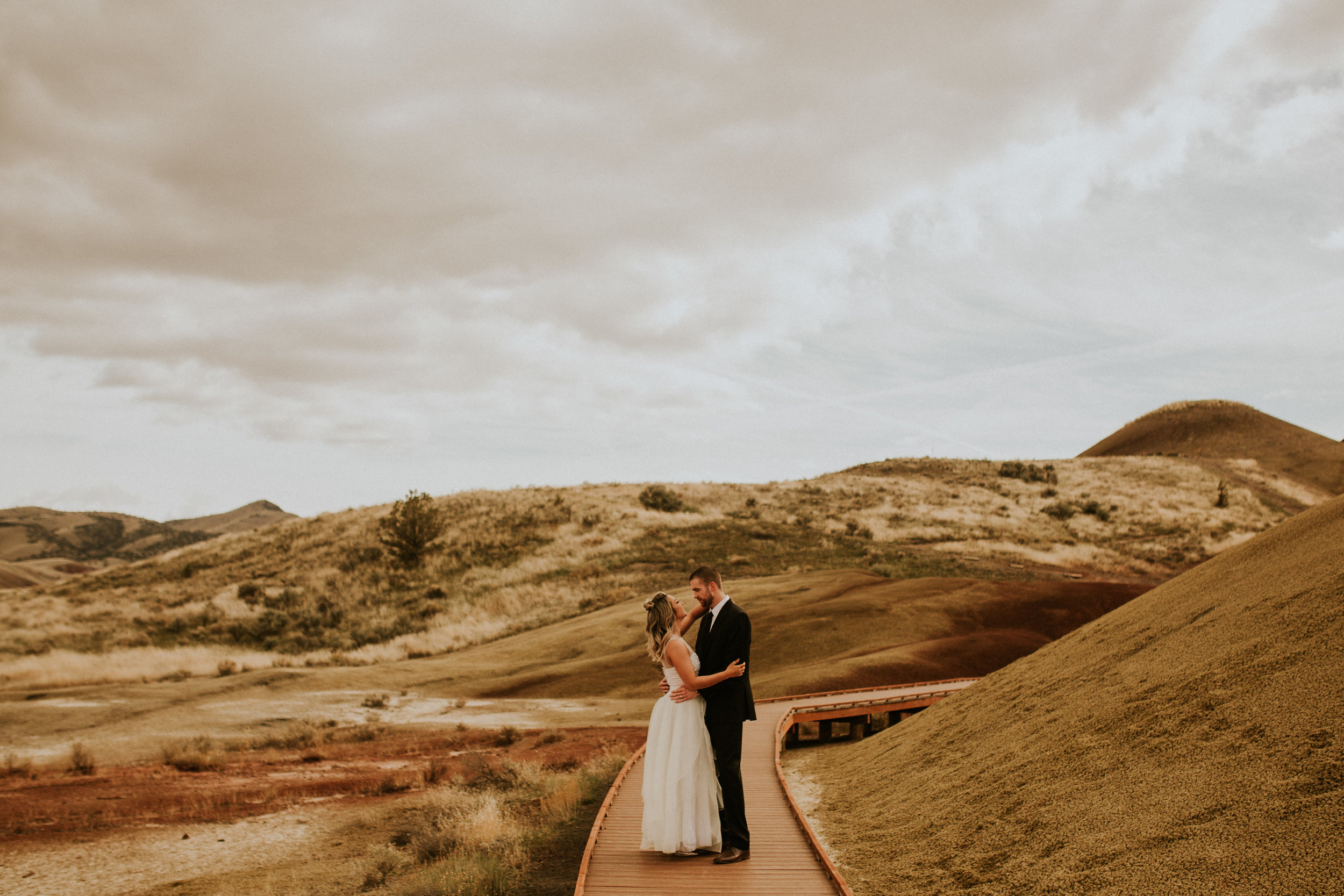painted hills elopement photography by breeanna lasher