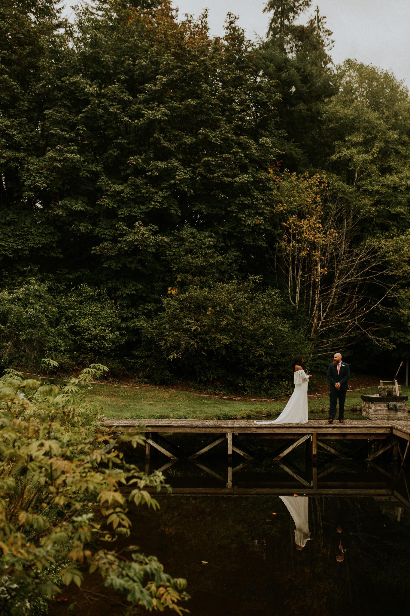 Lakeside-elopement-teasers-8.jpg
