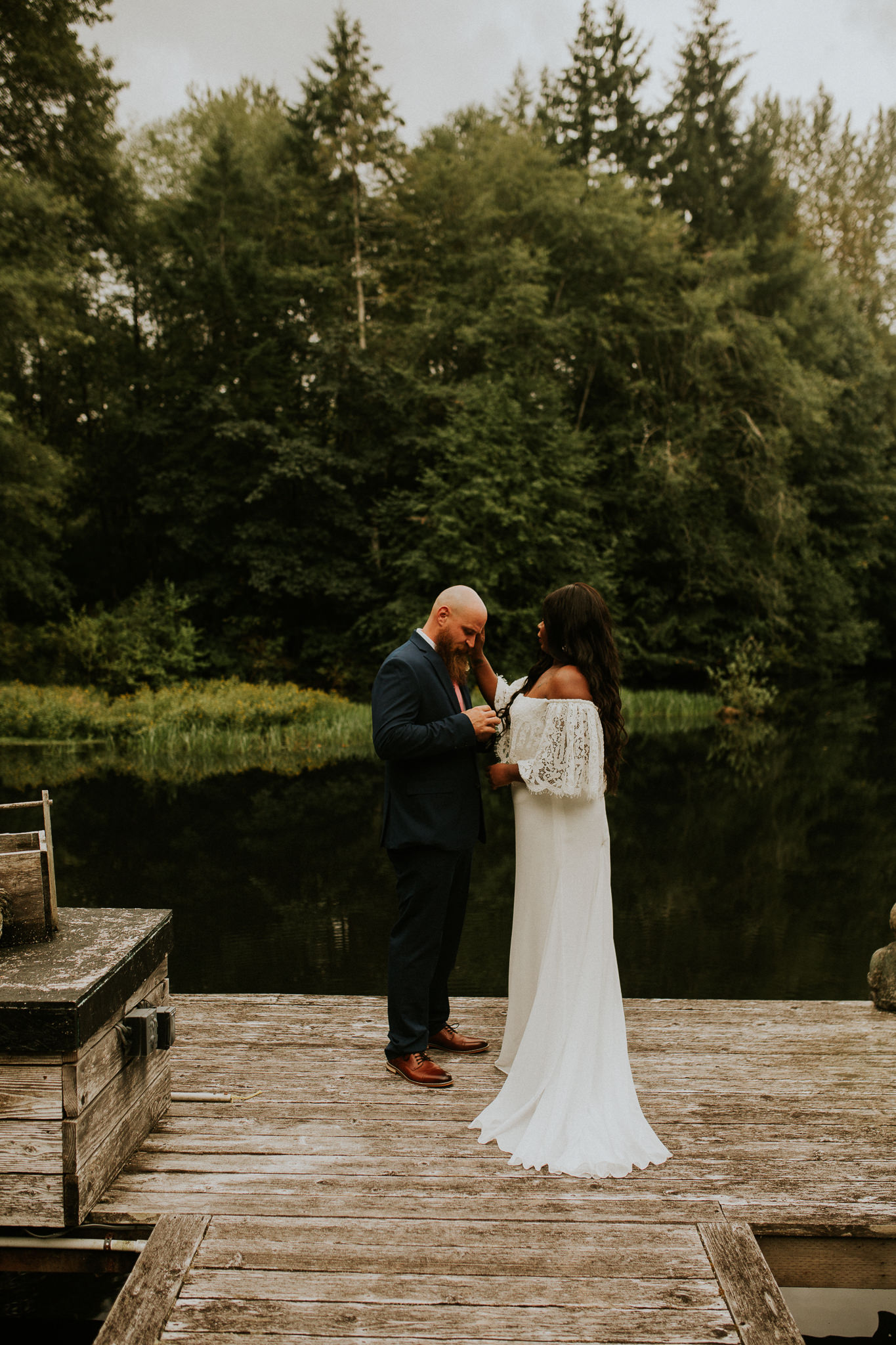 Lakeside-elopement-teasers-12.jpg