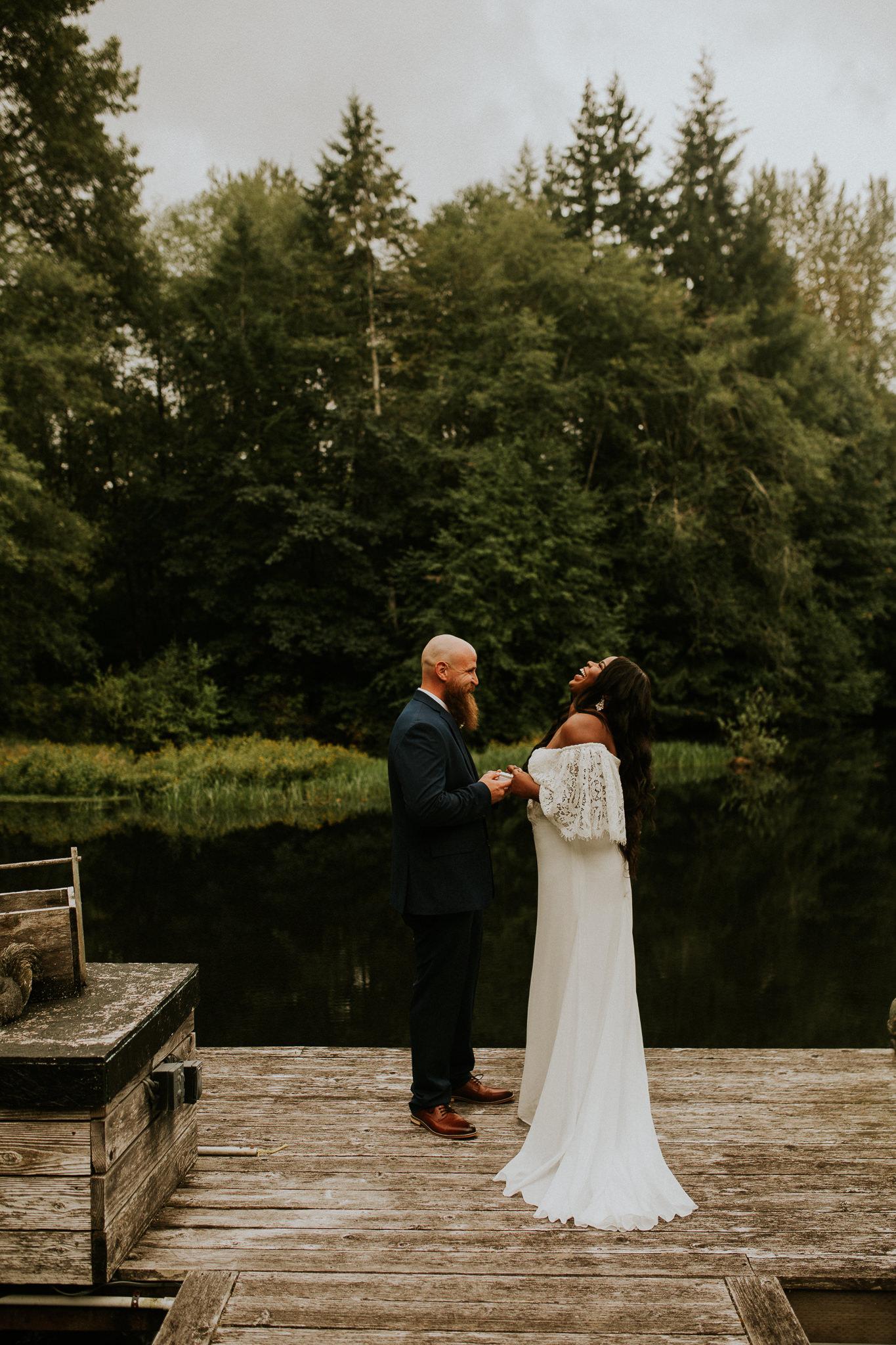 Lakeside-elopement-teasers-13.jpg