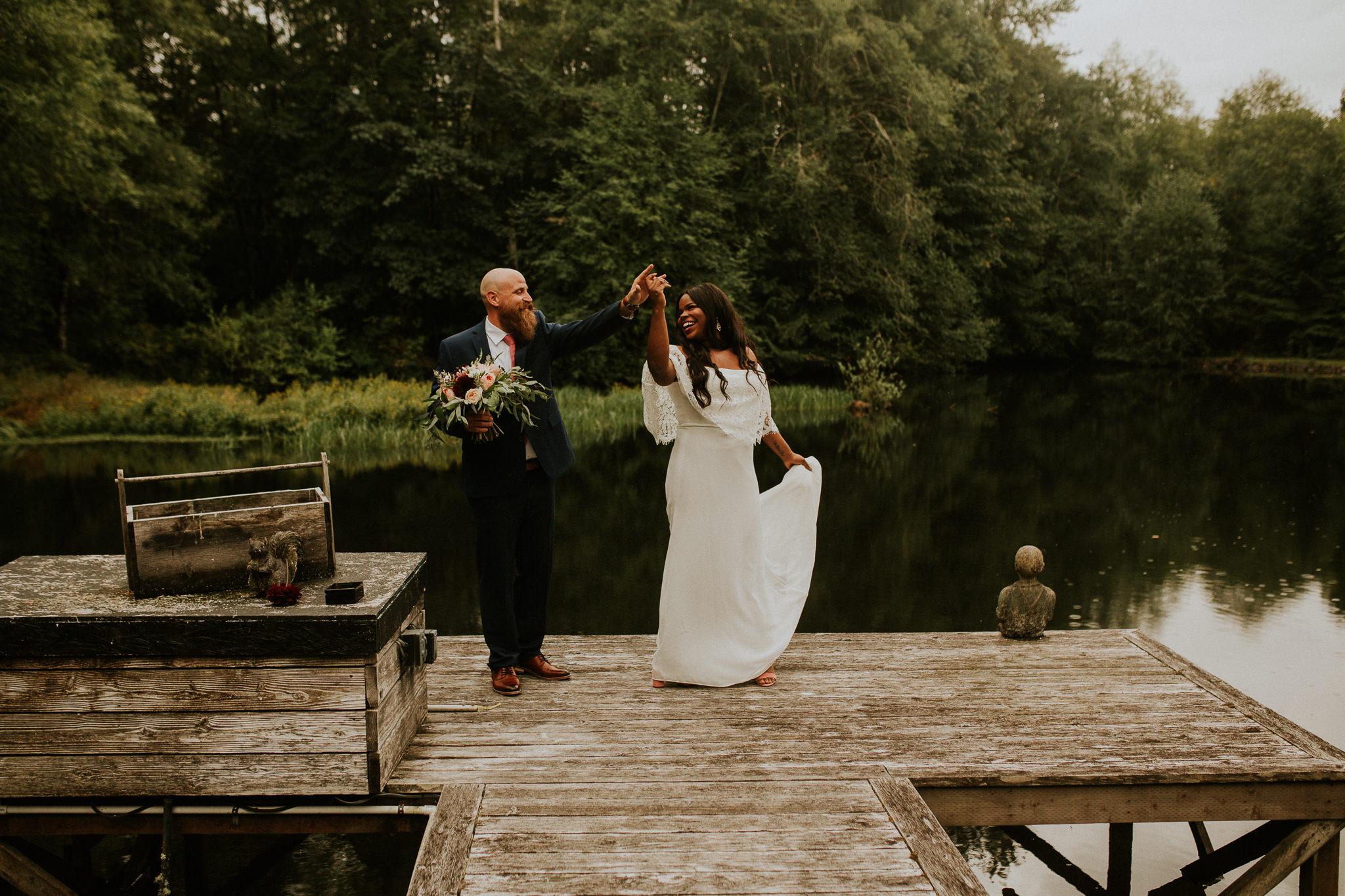 Lakeside-elopement-teasers-14.jpg