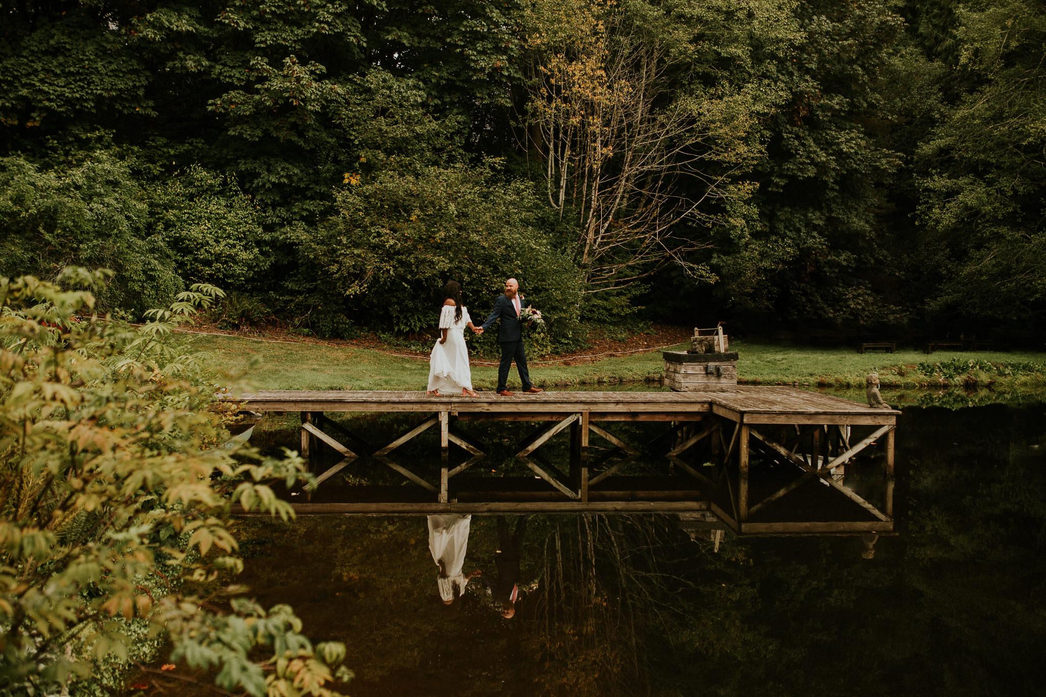 Lakeside-elopement-teasers-17.jpg