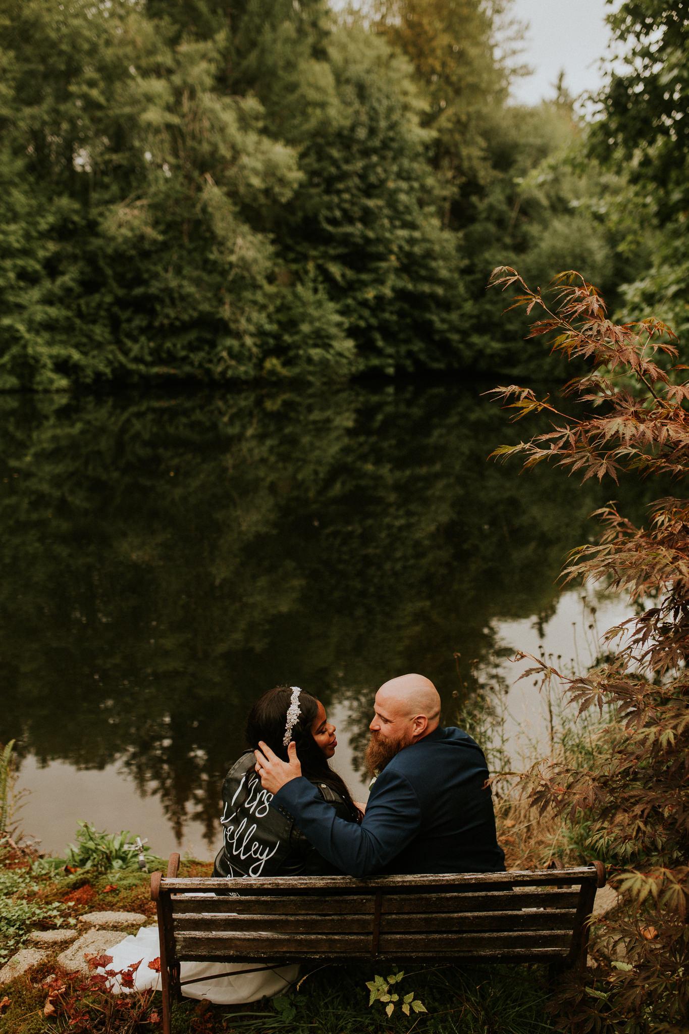 Lakeside-elopement-teasers-29.jpg