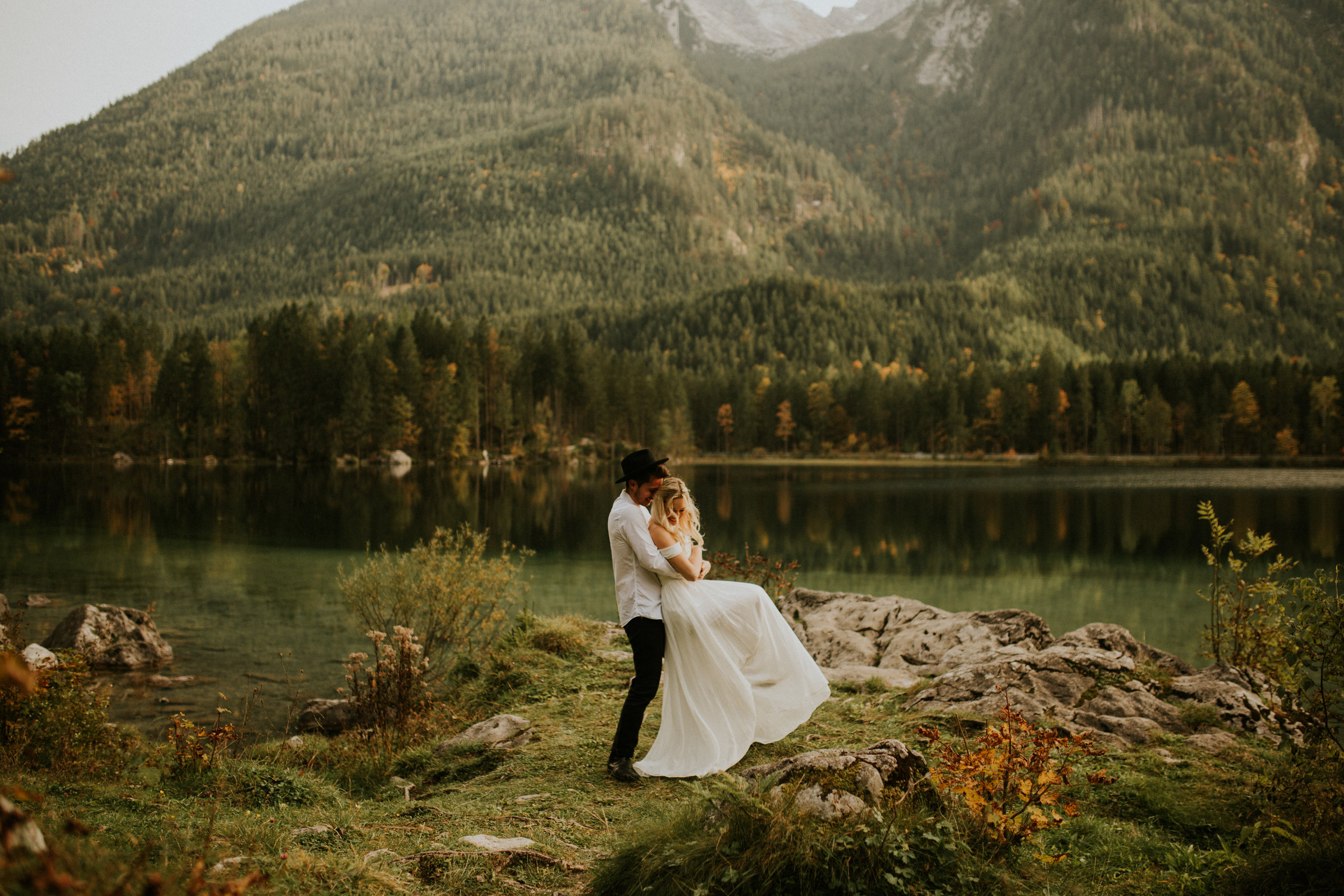 Seattle elopement photographers
