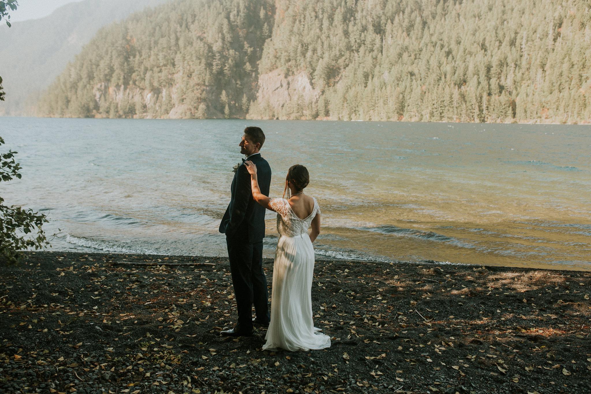 Cresent-lake-elopement-BreeAnna-Lasher-13.jpg