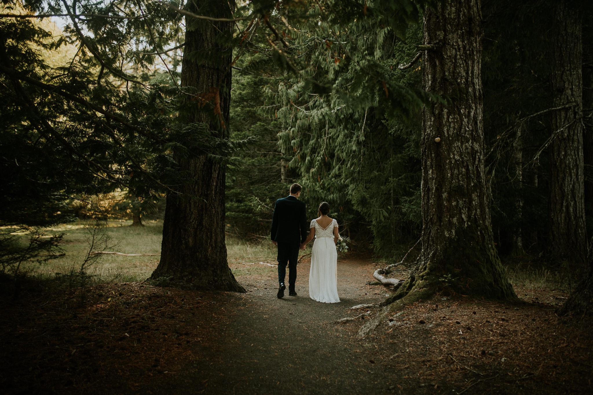 Cresent-lake-elopement-BreeAnna-Lasher-16.jpg