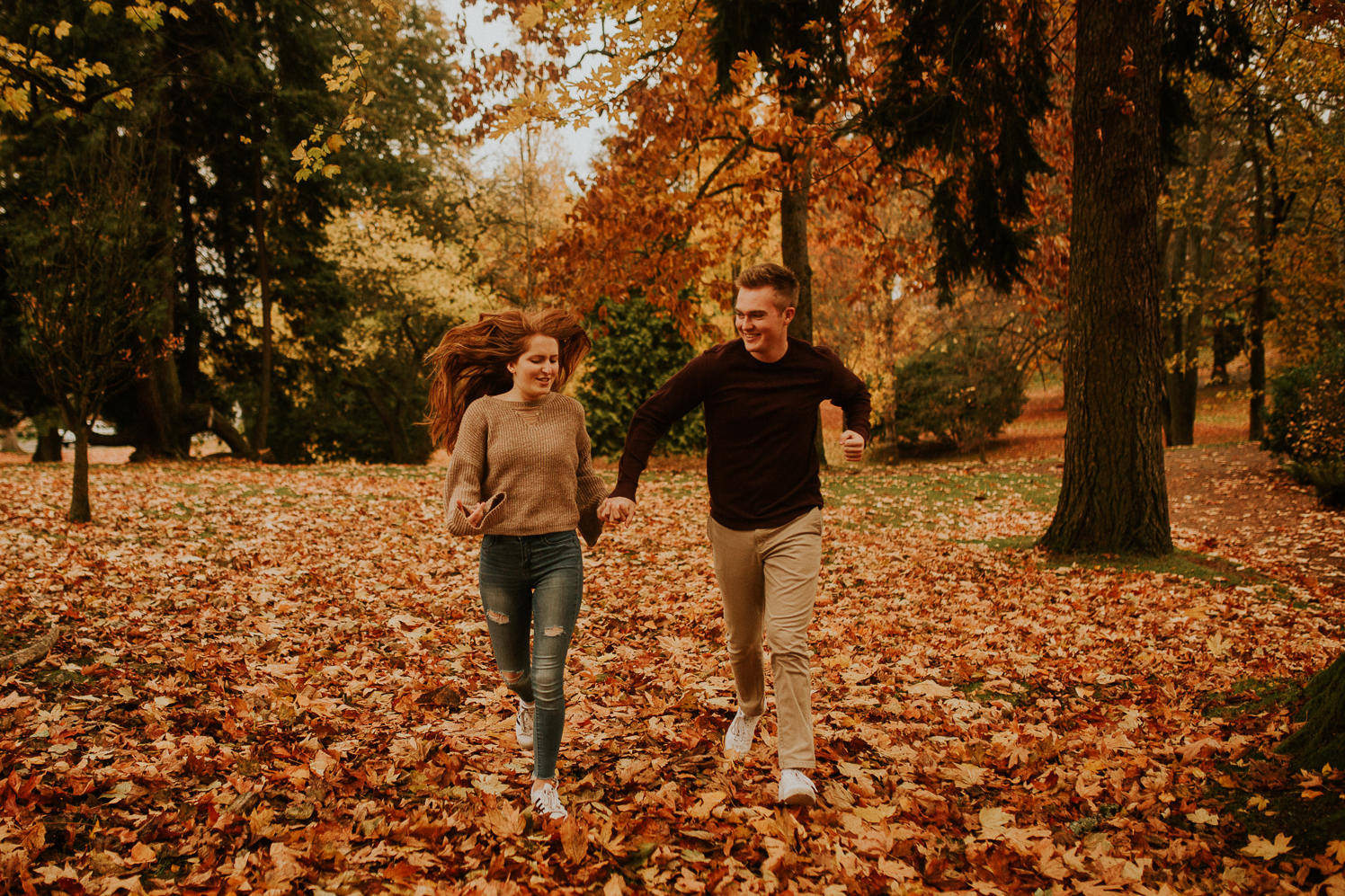 Autumn engagement photos in Tacoma
