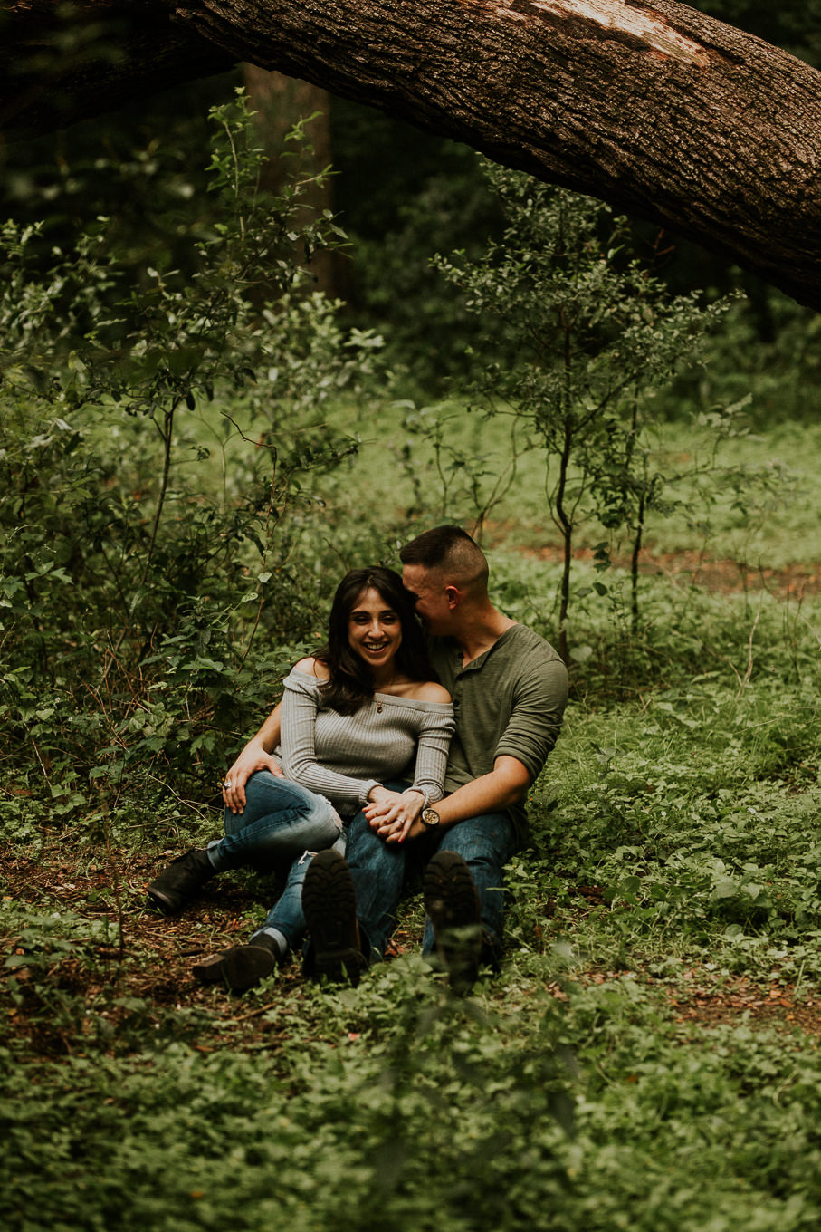 san antonio engagement photography under a tree