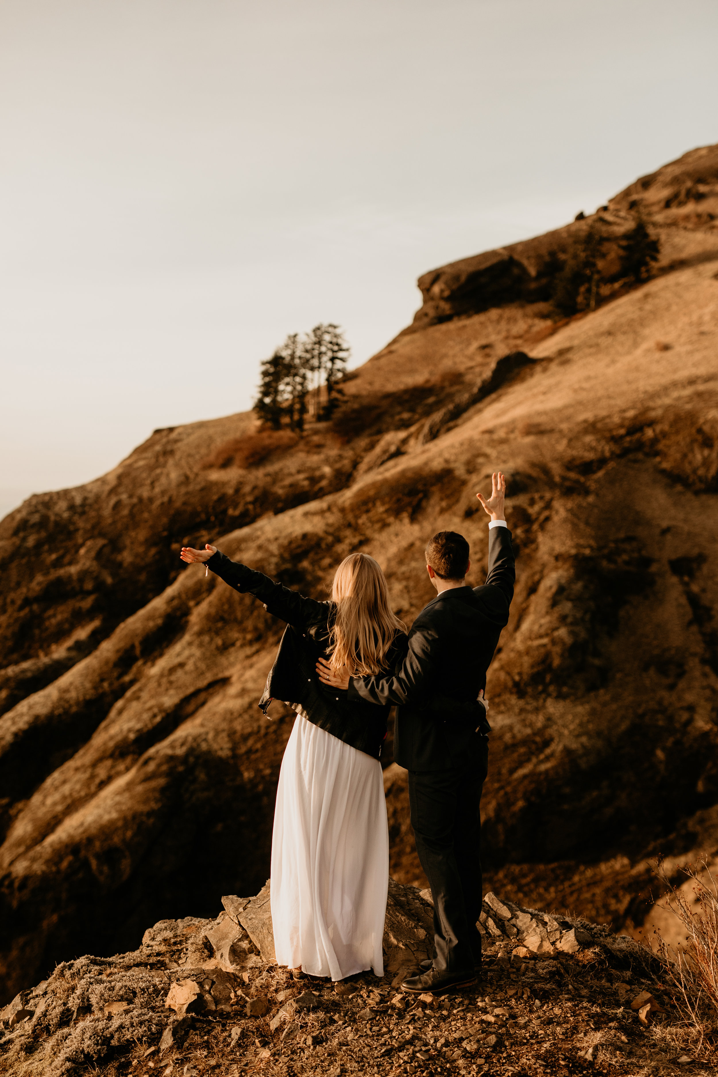 Oregon coast elopement Check out this adventure elopement blog for elopement ideas, adventure wedding dresses, groom attire, elopement tips, boho bouquets, elopement hairstyles, and the best elopement destinations. All images by BreeAnna Lasher // www.elevenelevenfilms.org   #wedding       #elopement     #adventureelopement       #elopementdestinations