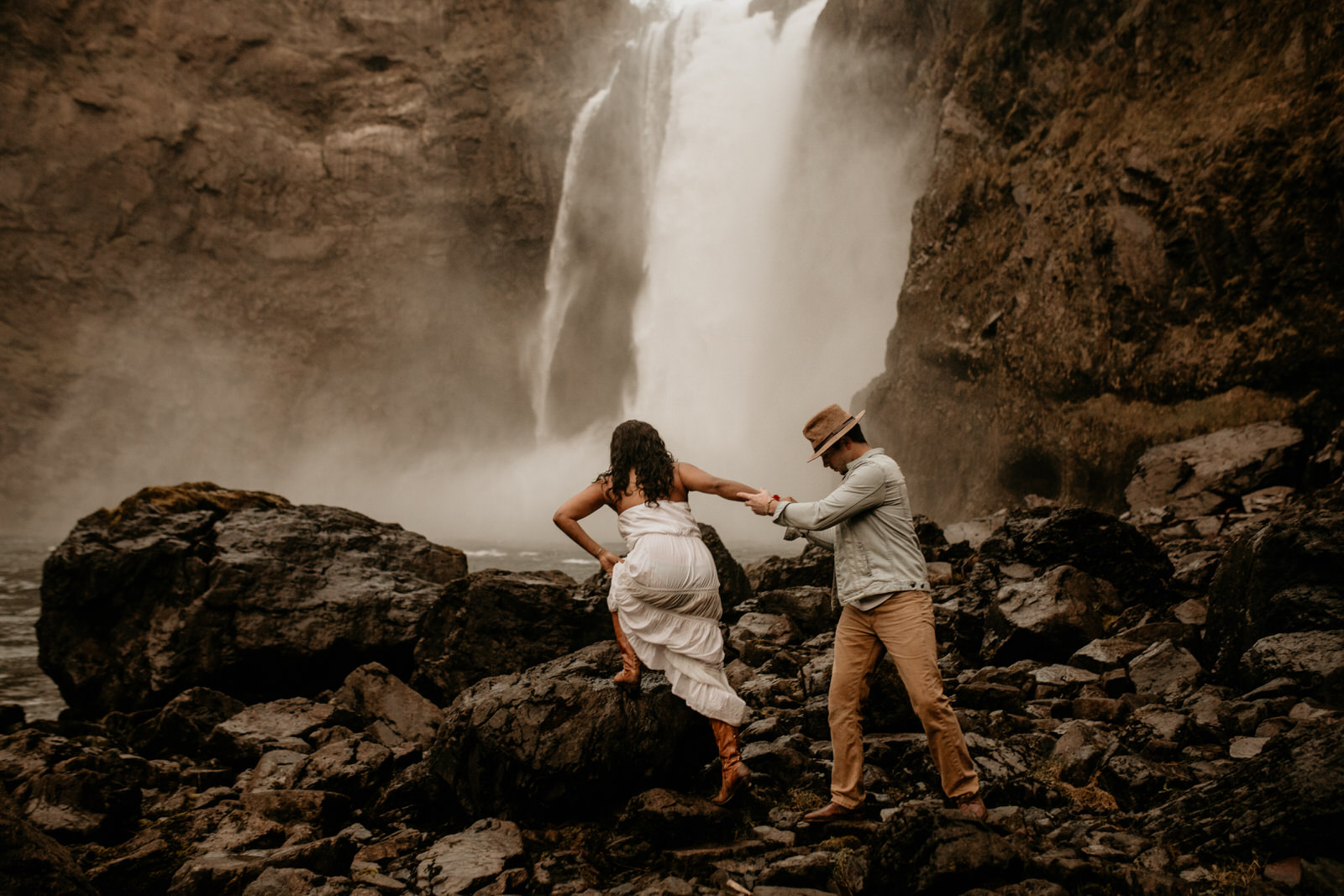 Snoqualmie falls engagement photos - snoqualmie pass engagement photos - snoqualmie falls - Issaquah engagement photos - Seattle elopement photographer - pnw elopement photographer - tacoma elopement photographer - Seattle wedding photographer - tacoma wedding photographer - pnw wedding photographer - hire wedding photographers in seattle - adventure wedding photographer - wedding photographer under $2000 - tacoma wedding photographers - elopement wedding photographer - elopement photographer - rattlesnake lake engagement photos